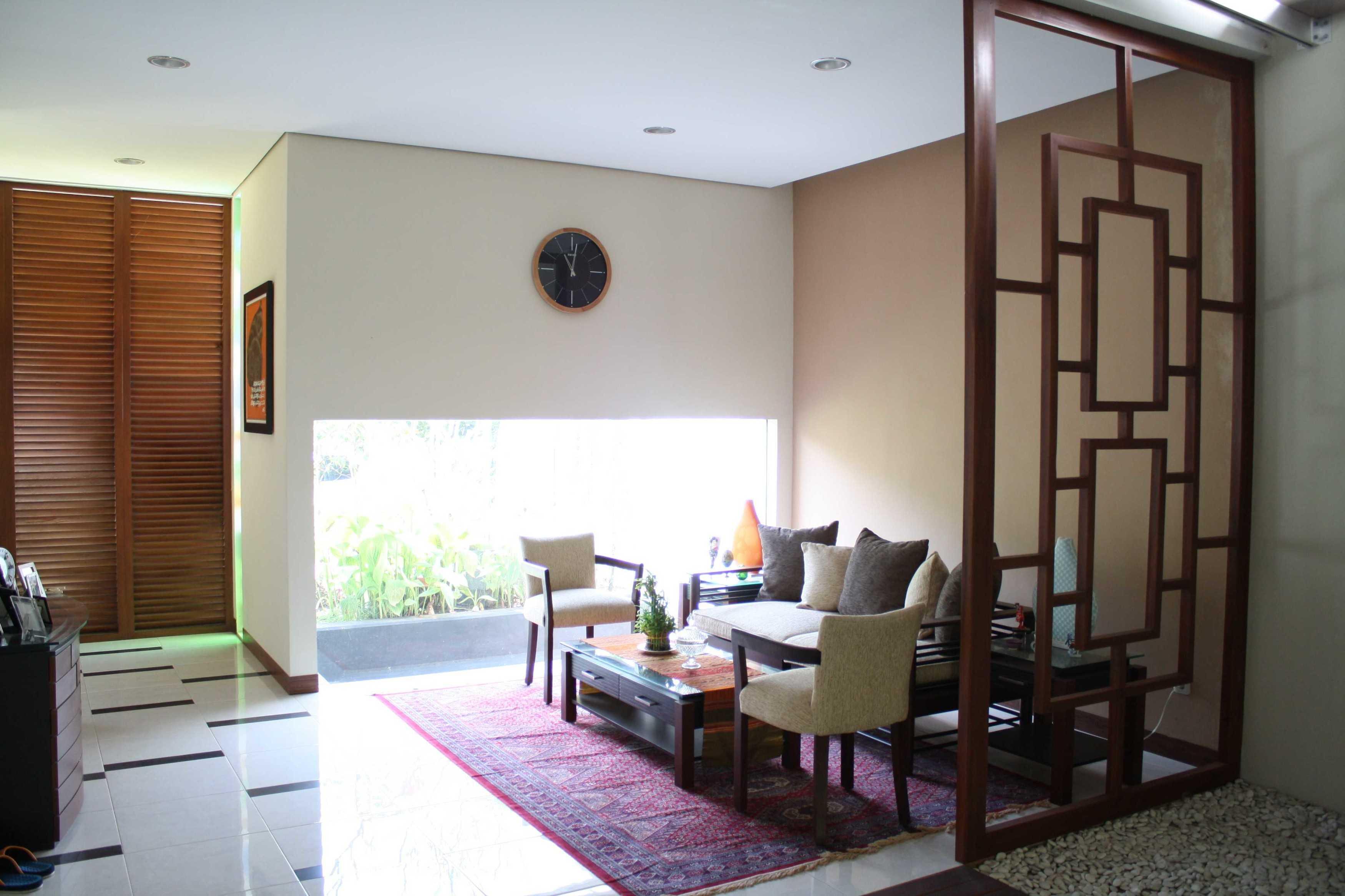 Jerry M. Febrino Ai House Jakarta, Indonesia Jakarta, Indonesia Guest Area Kontemporer  9547