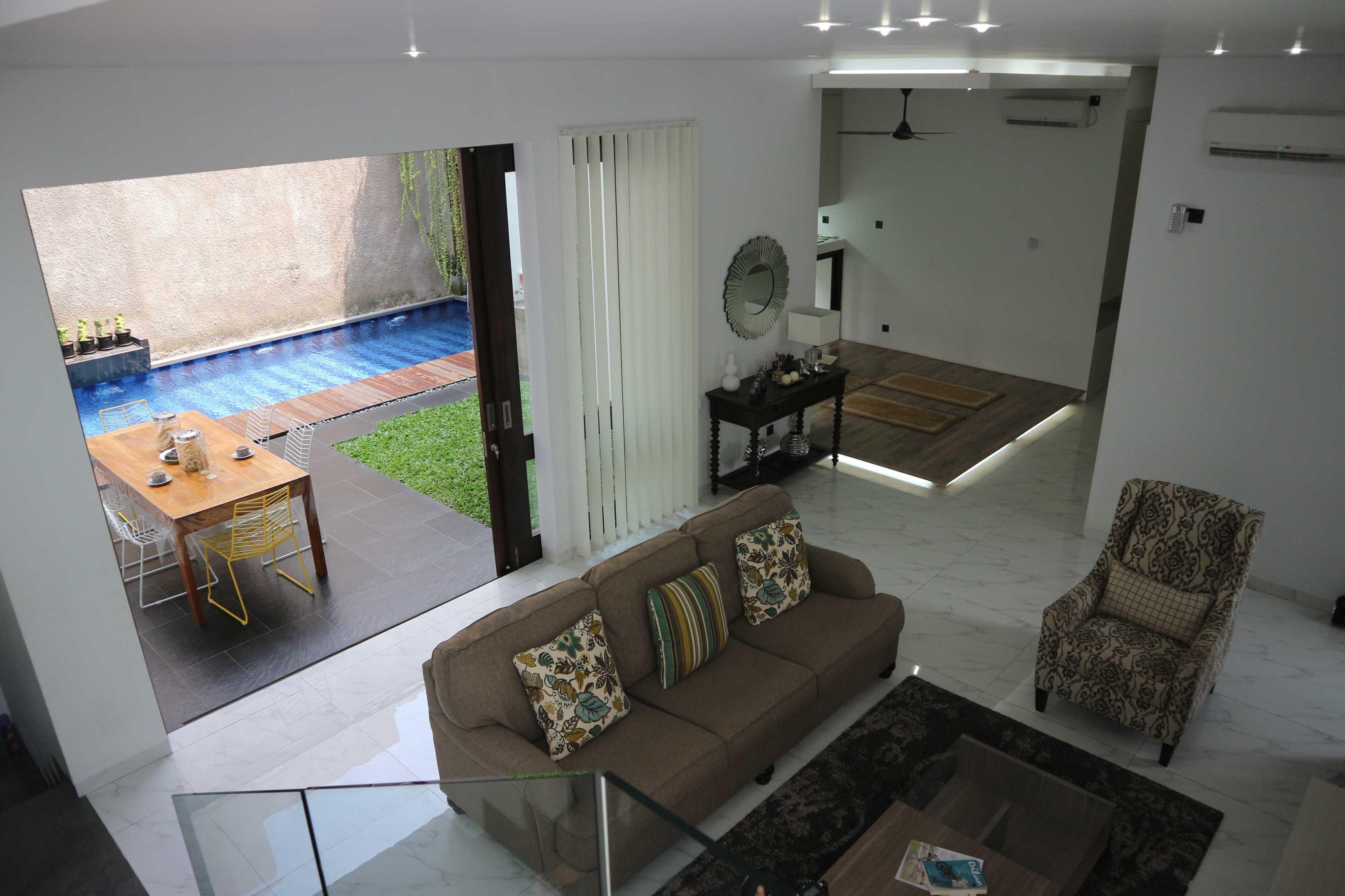 Jerry M. Febrino Rs House Jl. Pesona Paris, Ciangsana, Gn. Putri, Bogor, Jawa Barat 16968, Indonesia Kota Wisata Img3450 Modern  38109