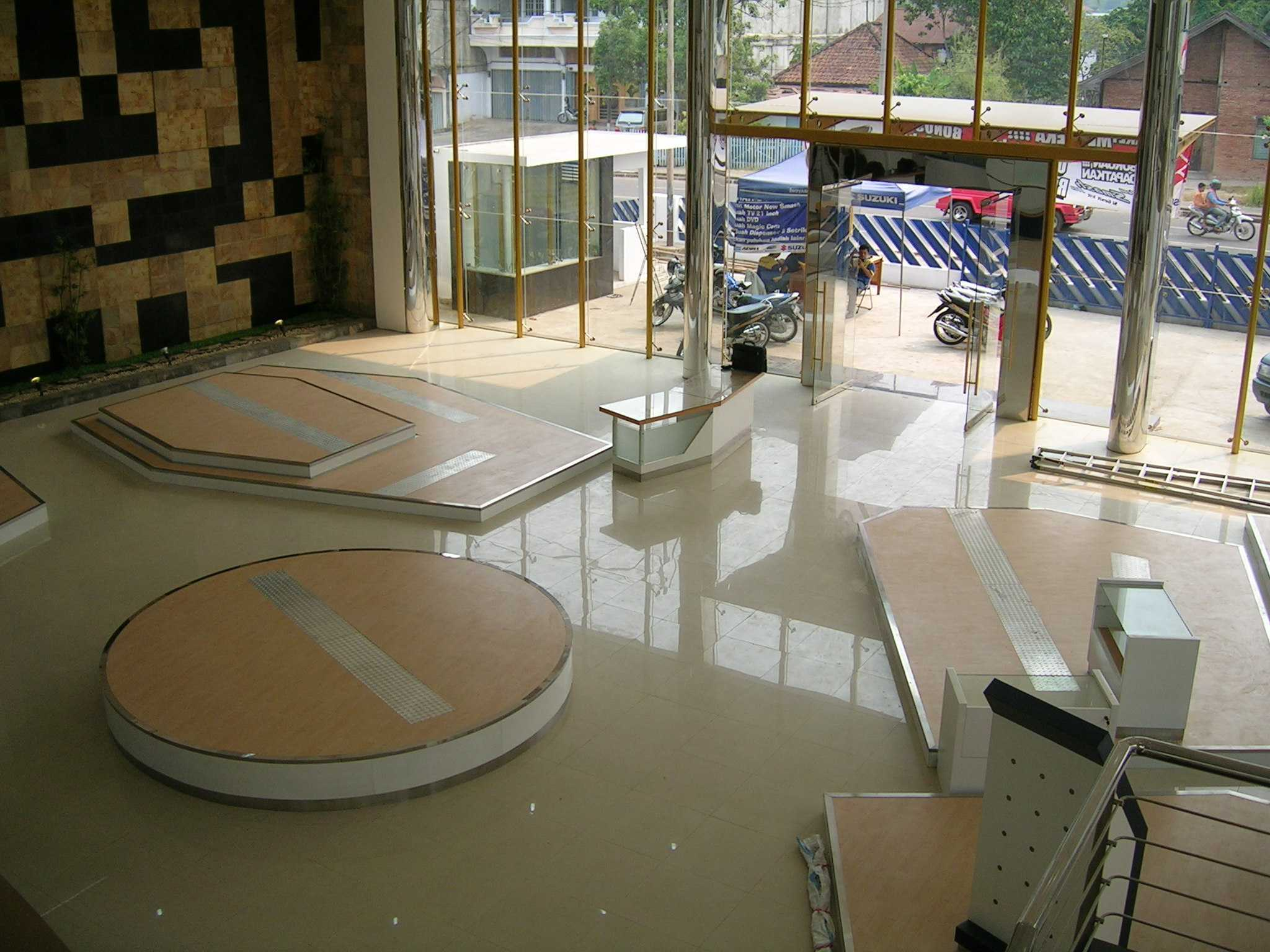 Jerry M. Febrino Showroom Suzuki Motor  Jambi Jambi, Kota Jambi, Jambi, Indonesia Jambi, Kota Jambi, Jambi, Indonesia Display Area Modern  38234