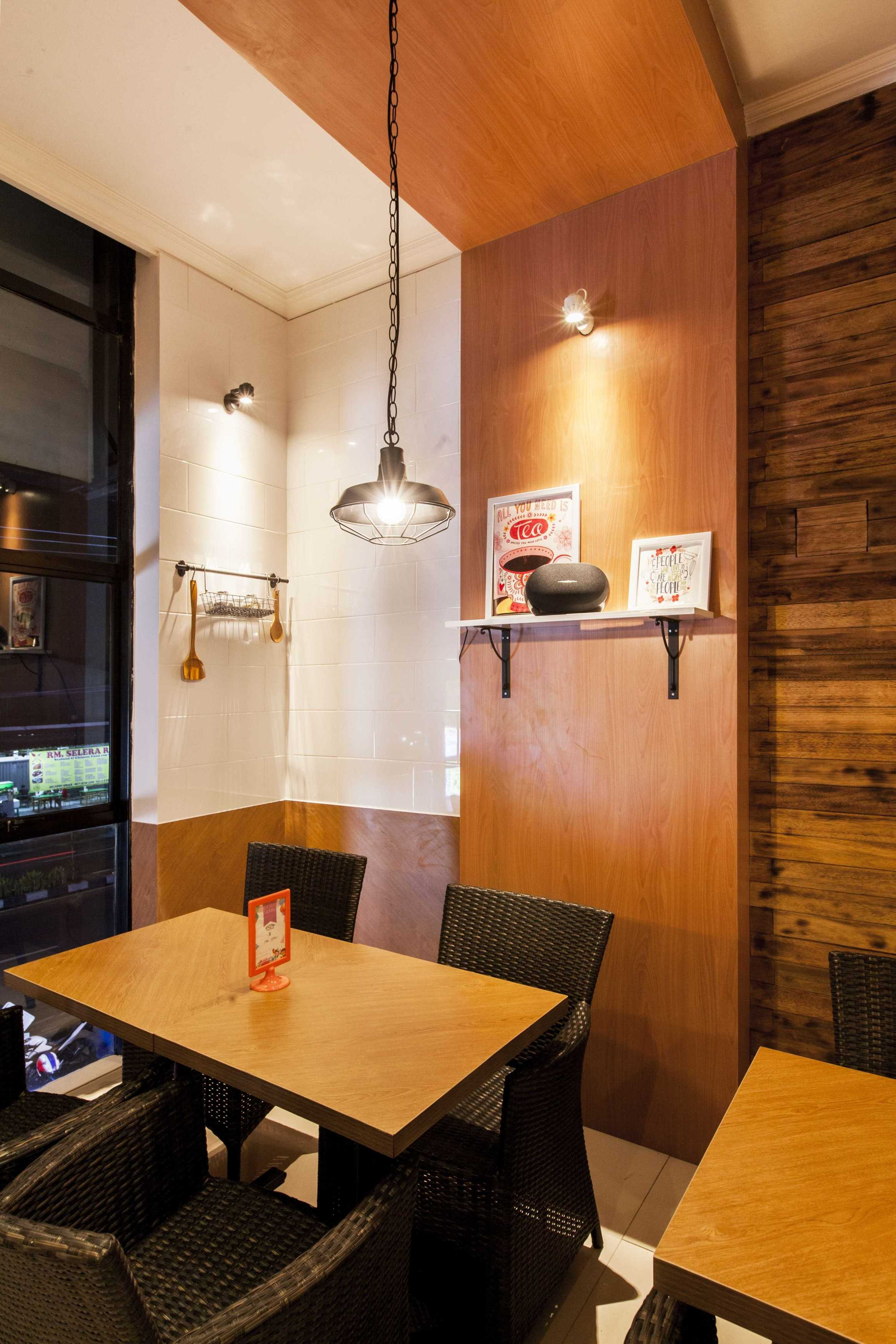 Yardd D'kitjen Cafe Tangerang, Indonesia Tangerang, Indonesia Interior Decoration Modern  9730