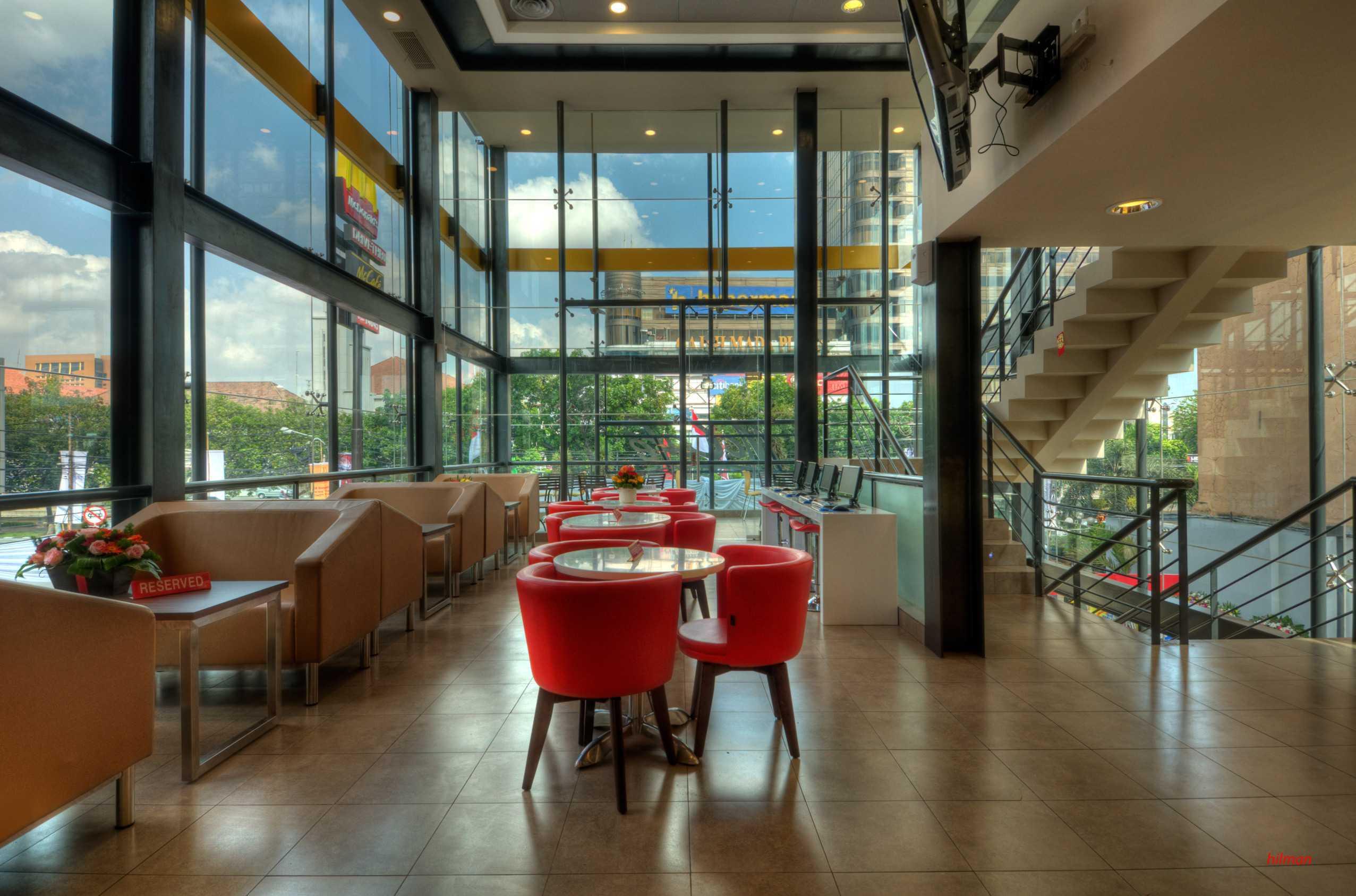 Axon90 The Design Hub Mc Donald's Hayam Wuruk, Jakarta Hayam Wuruk, Jakarta Dining Area Kontemporer  14507