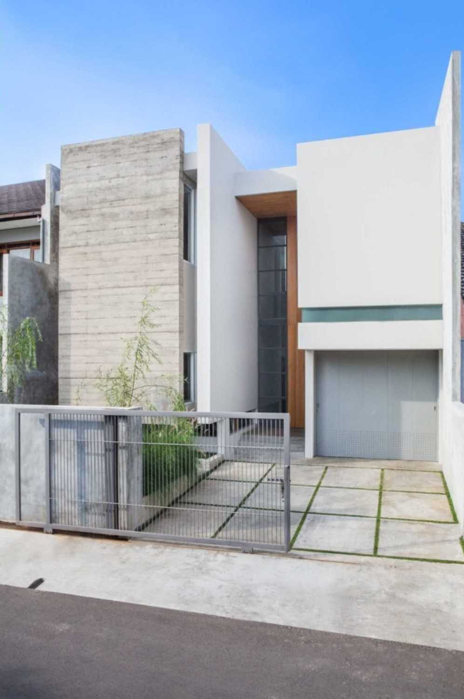 Januar Senjaya & Filani Limansyah / Addo Architecture House At Pasteur Bandung, Kota Bandung, Jawa Barat, Indonesia Jalan Unpar Interior   31820