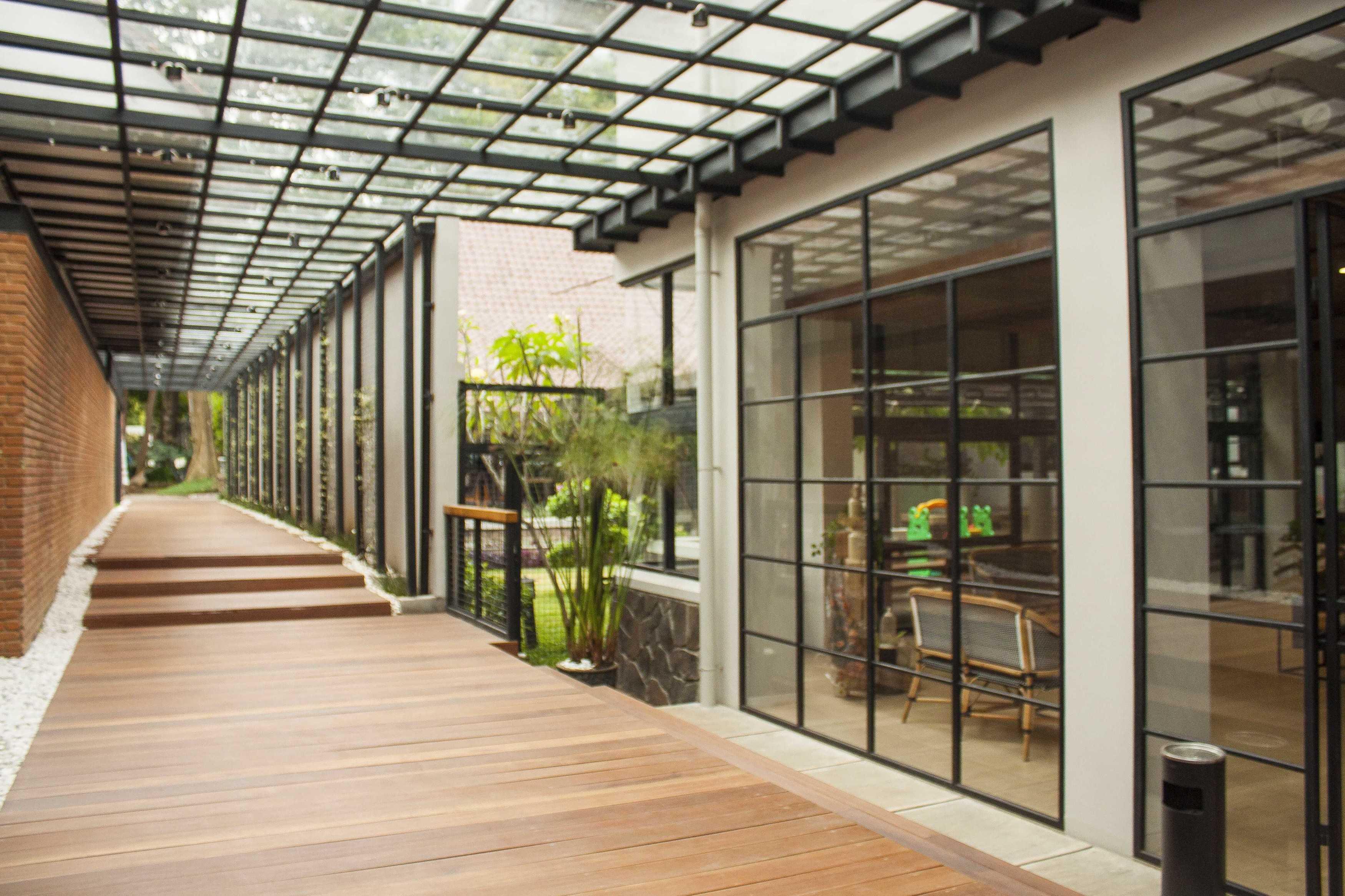 Januar Senjaya & Filani Limansyah / Addo Architecture Beehive Boutique Hotel Bandung, West Java, Indonesia Bandung, West Java, Indonesia Corridor Hotel   9710