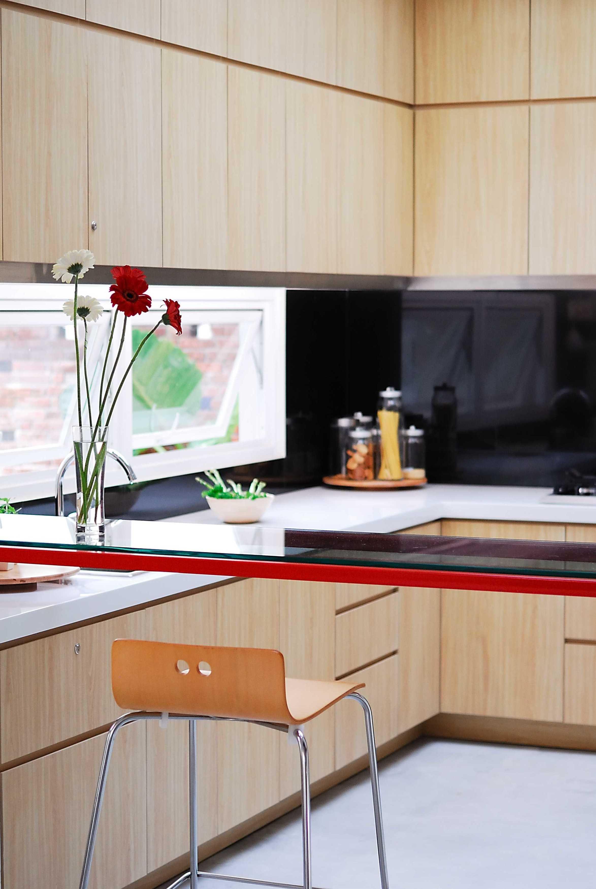 Erwin Kusuma Prv B66 Bandung Bandung Kitchen Room Modern  9716