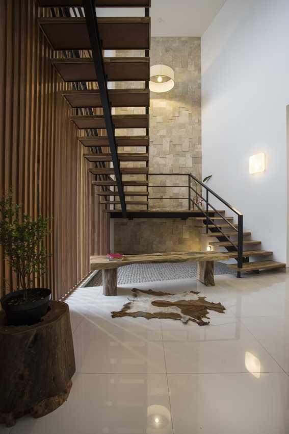 Erwin Kusuma Kbp House Bandung Bandung Staircase Kontemporer  9787