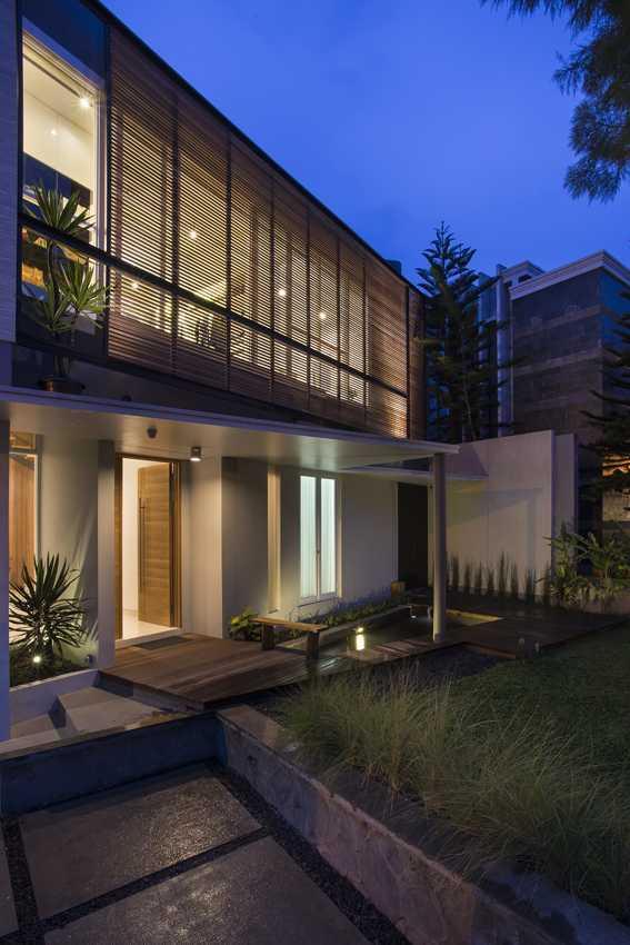 Erwin Kusuma Kbp House Bandung Bandung Exterior View Kontemporer  9794