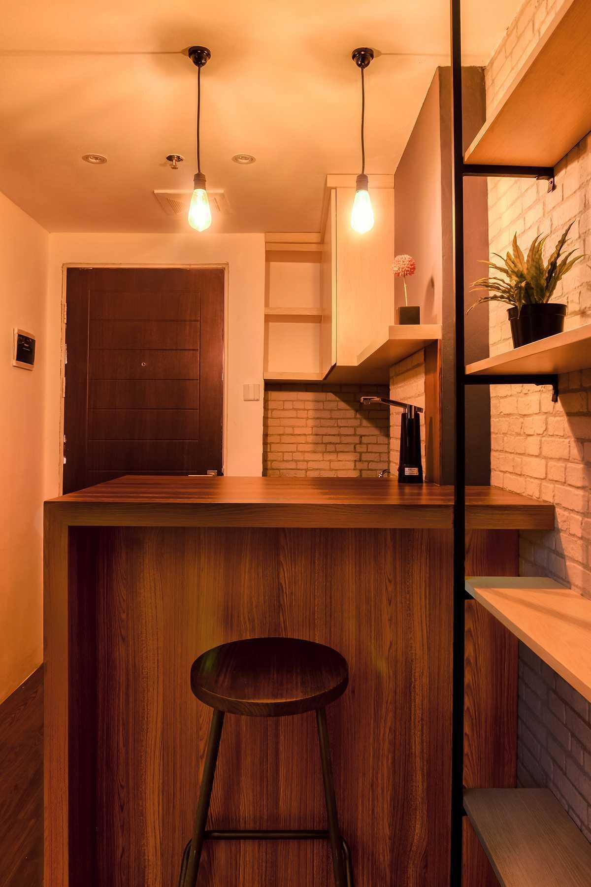 Localic Studio Interior Apartment Tipe Studio Kota Yogyakarta, Daerah Istimewa Yogyakarta, Indonesia Kota Yogyakarta, Daerah Istimewa Yogyakarta, Indonesia Interior Apartment Tipe Studio - Mini Bar   41461