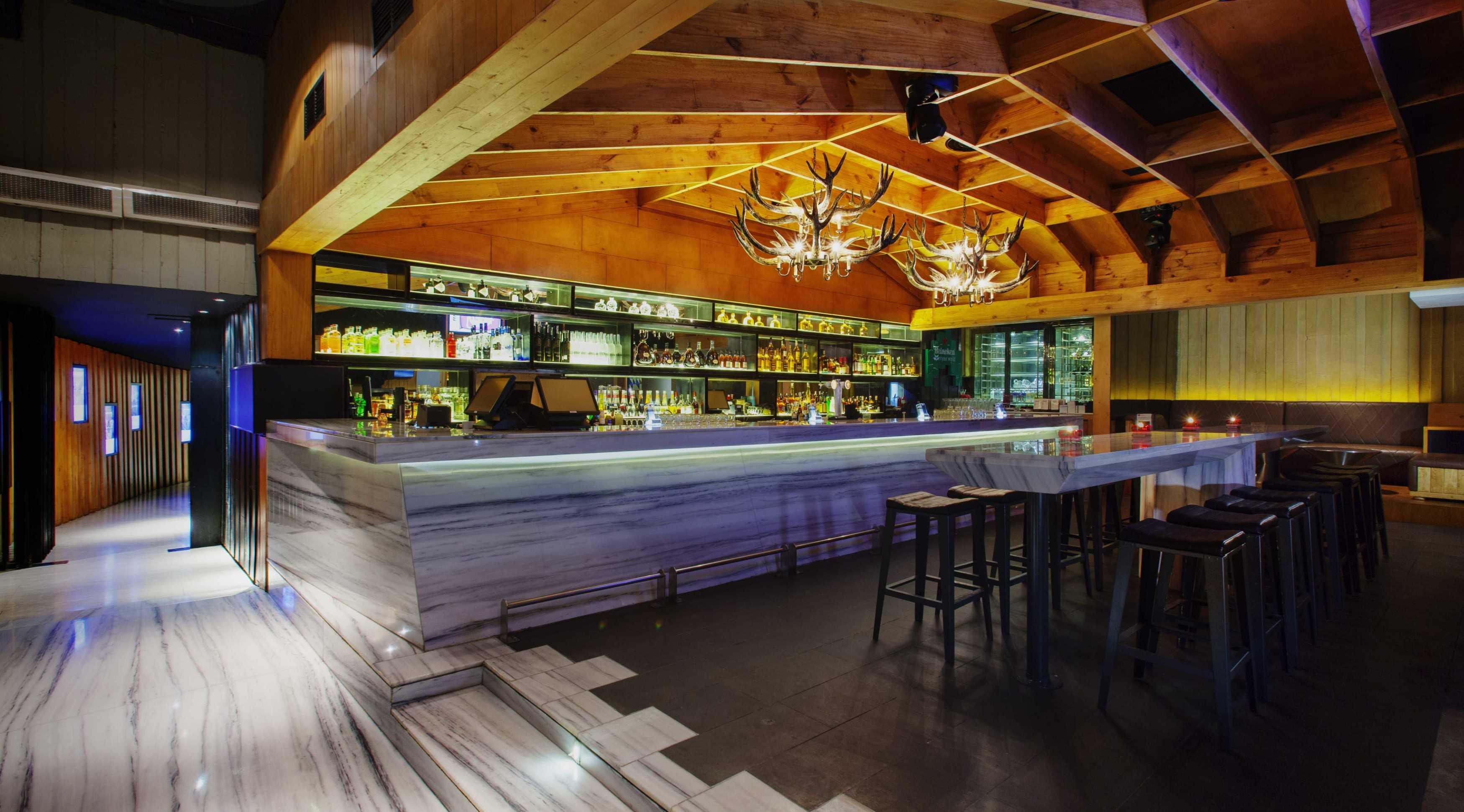 High Street Domain The Club Jakarta Jakarta Bar Area Modern  9867