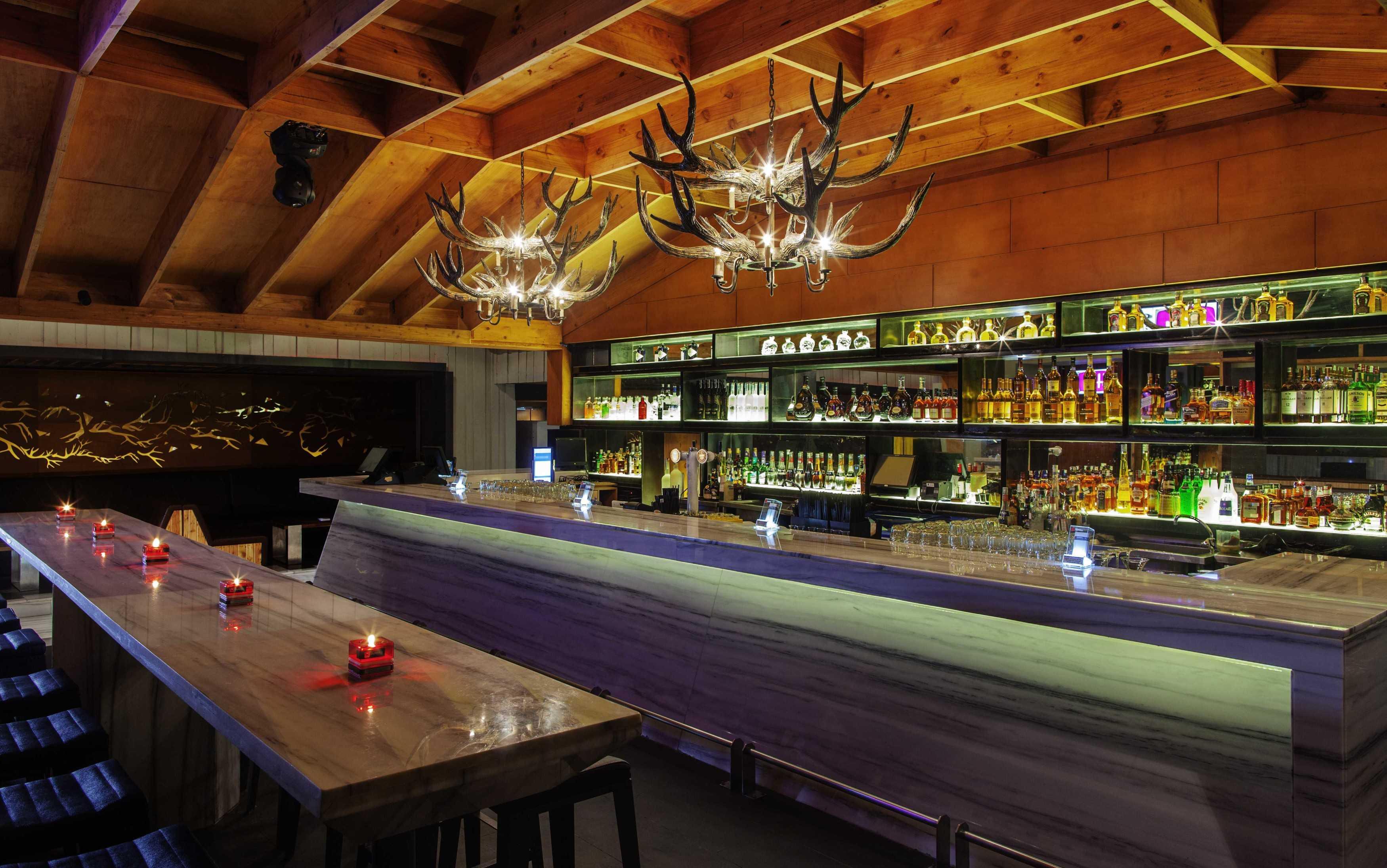 High Street Domain The Club Jakarta Jakarta Bar Area Modern  9868