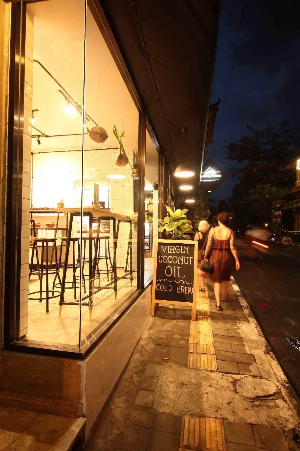Ddap Architect Coconut Warung Shop & Cafe Ubud, Kabupaten Gianyar, Bali, Indonesia Bali Img0850 Industrial  28557