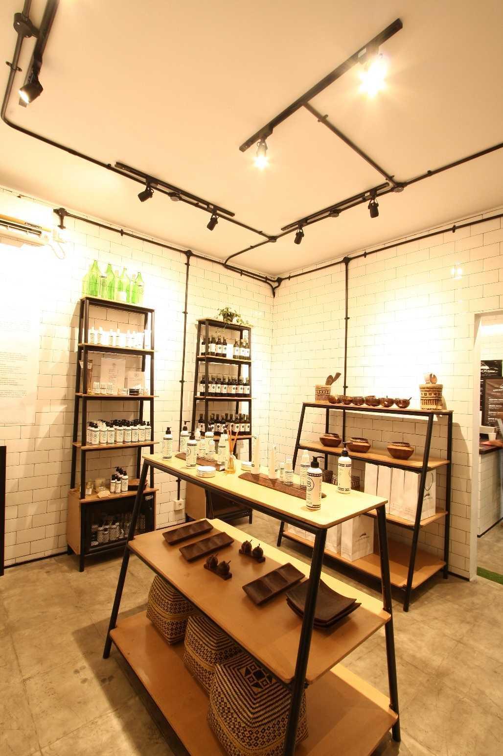 Ddap Architect Coconut Warung Shop & Cafe Ubud, Kabupaten Gianyar, Bali, Indonesia Bali Img0861 Industrial  28558
