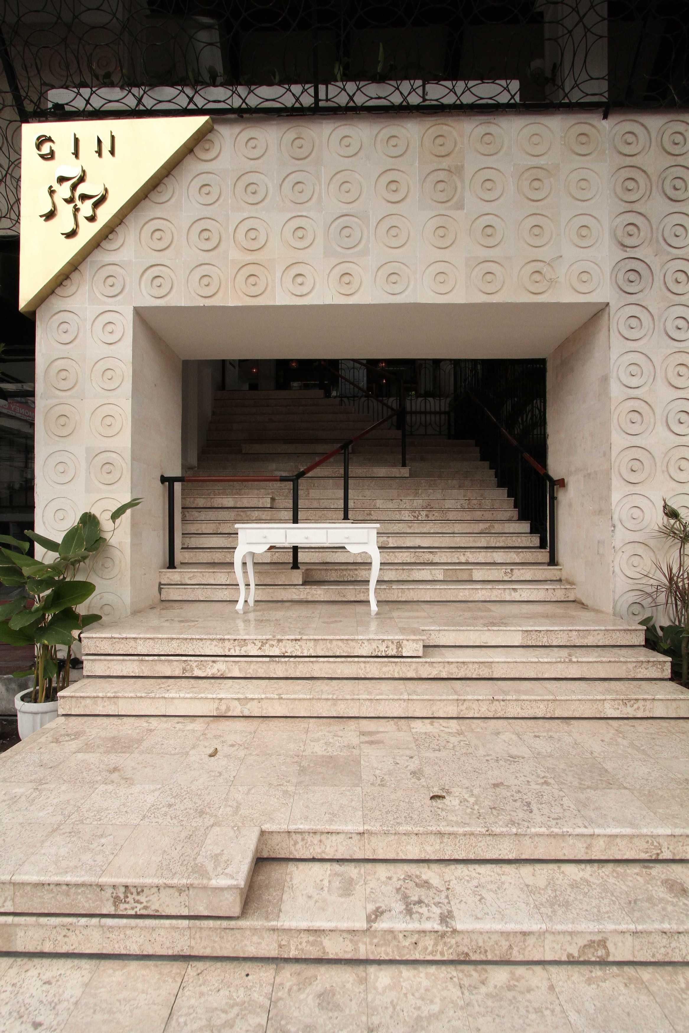 Ddap Architect Gin Bar Jl. Hanoman, Ubud, Kabupaten Gianyar, Bali 80571, Indonesia Jl. Hanoman, Ubud, Kabupaten Gianyar, Bali 80571, Indonesia Gin Bar - Staircase   44389
