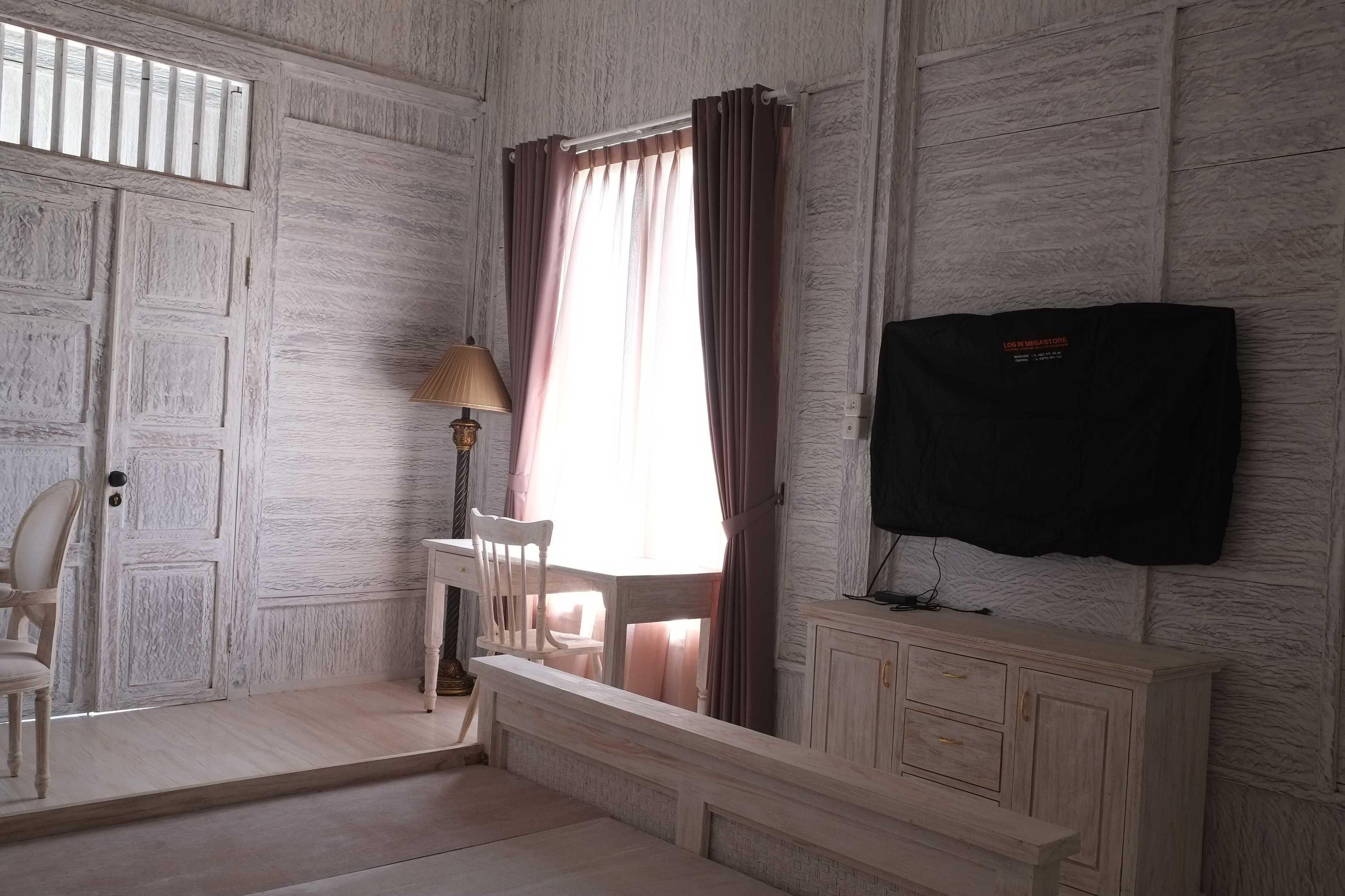 Iugo Design Villa At Lembang Bandung Bandung Bedroom Klasik  10364