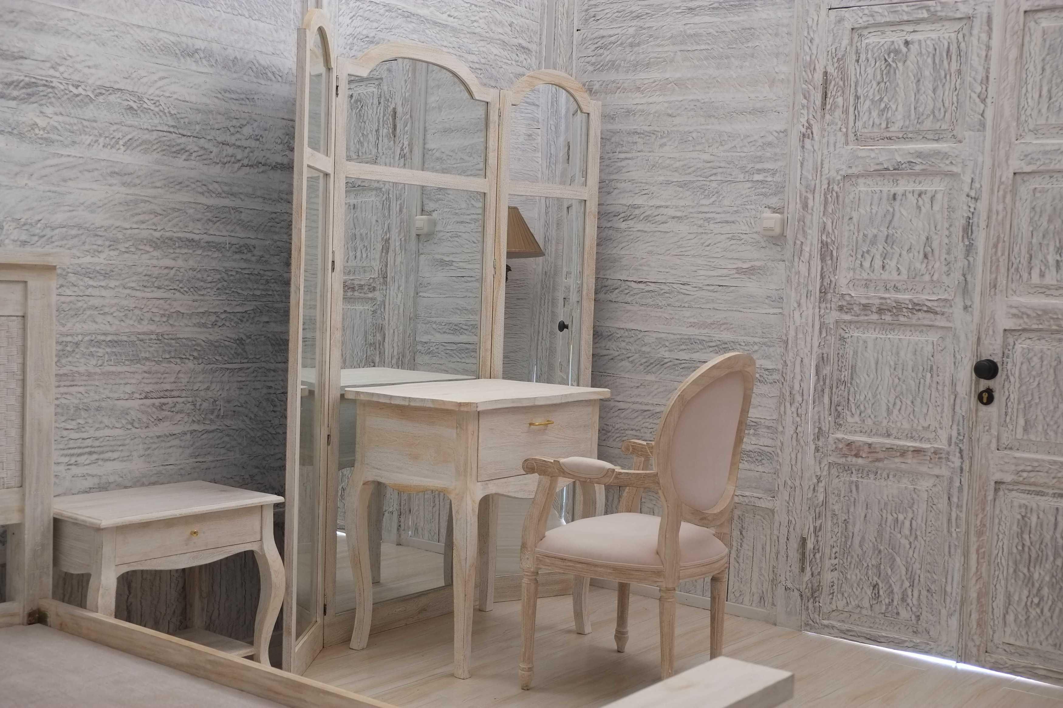 Iugo Design Villa At Lembang Bandung Bandung Vanity Table Klasik  10366