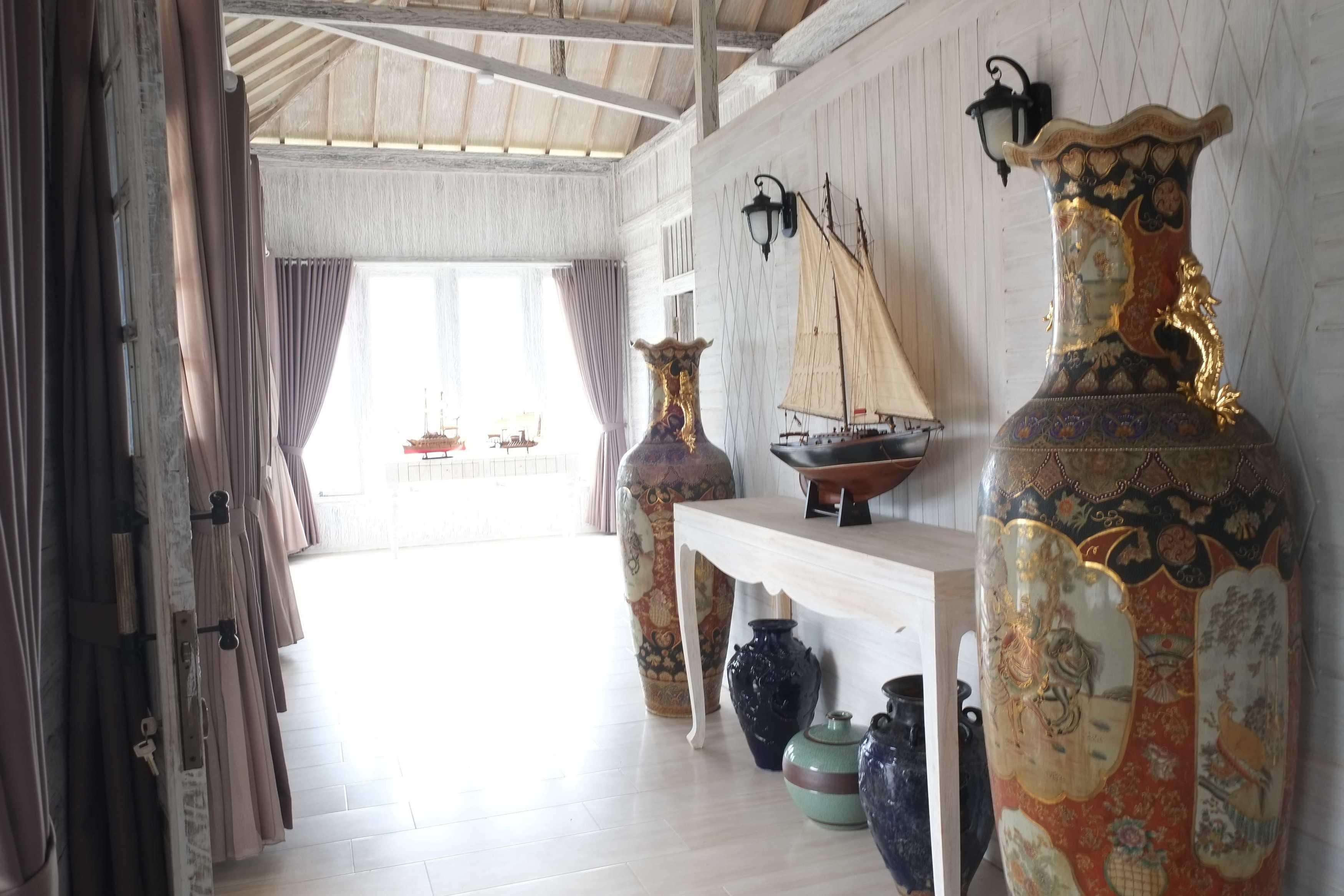 Iugo Design Villa At Lembang Bandung Bandung Foyer Klasik  10377