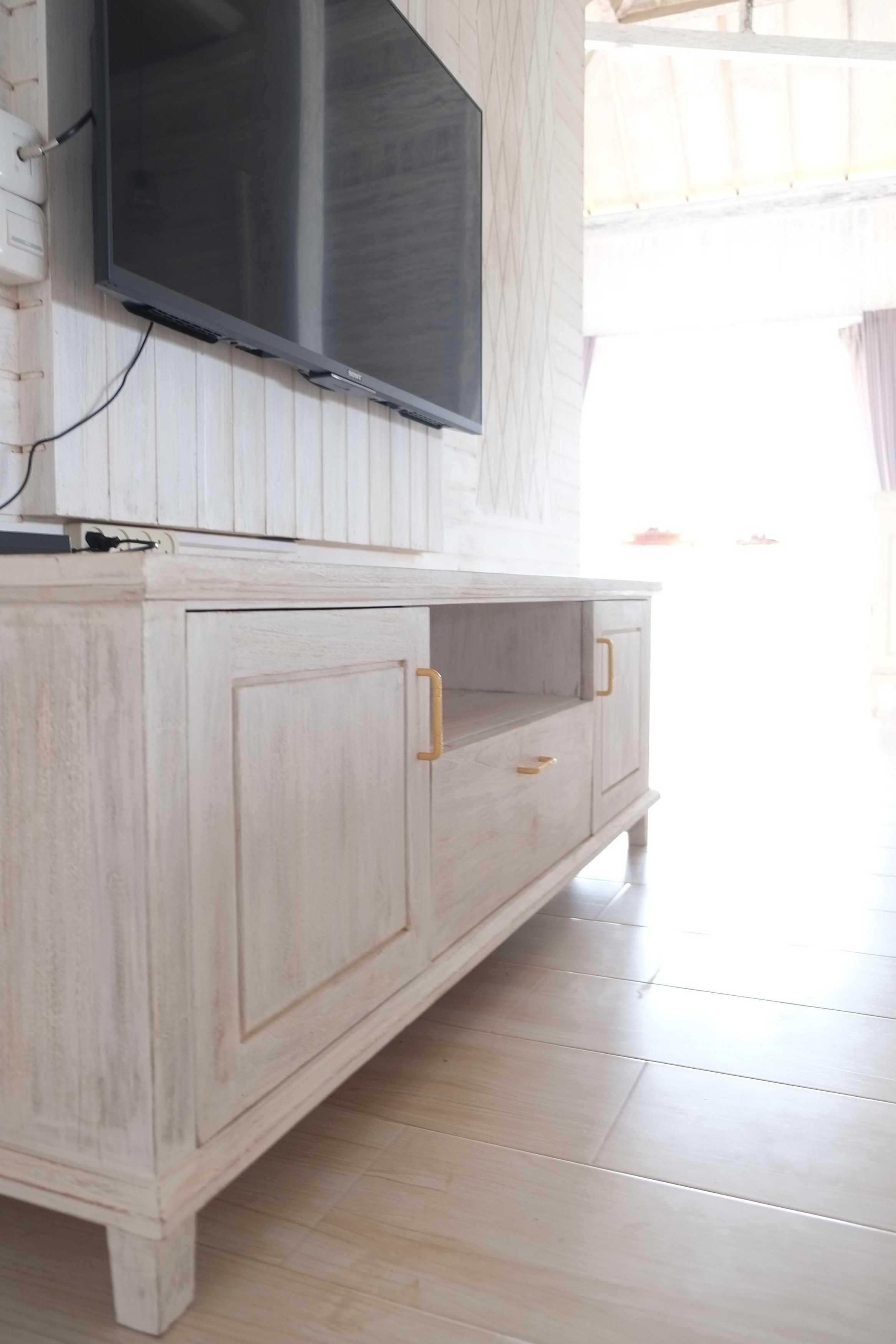 Iugo Design Villa At Lembang Bandung Bandung Livingroom Klasik  10388