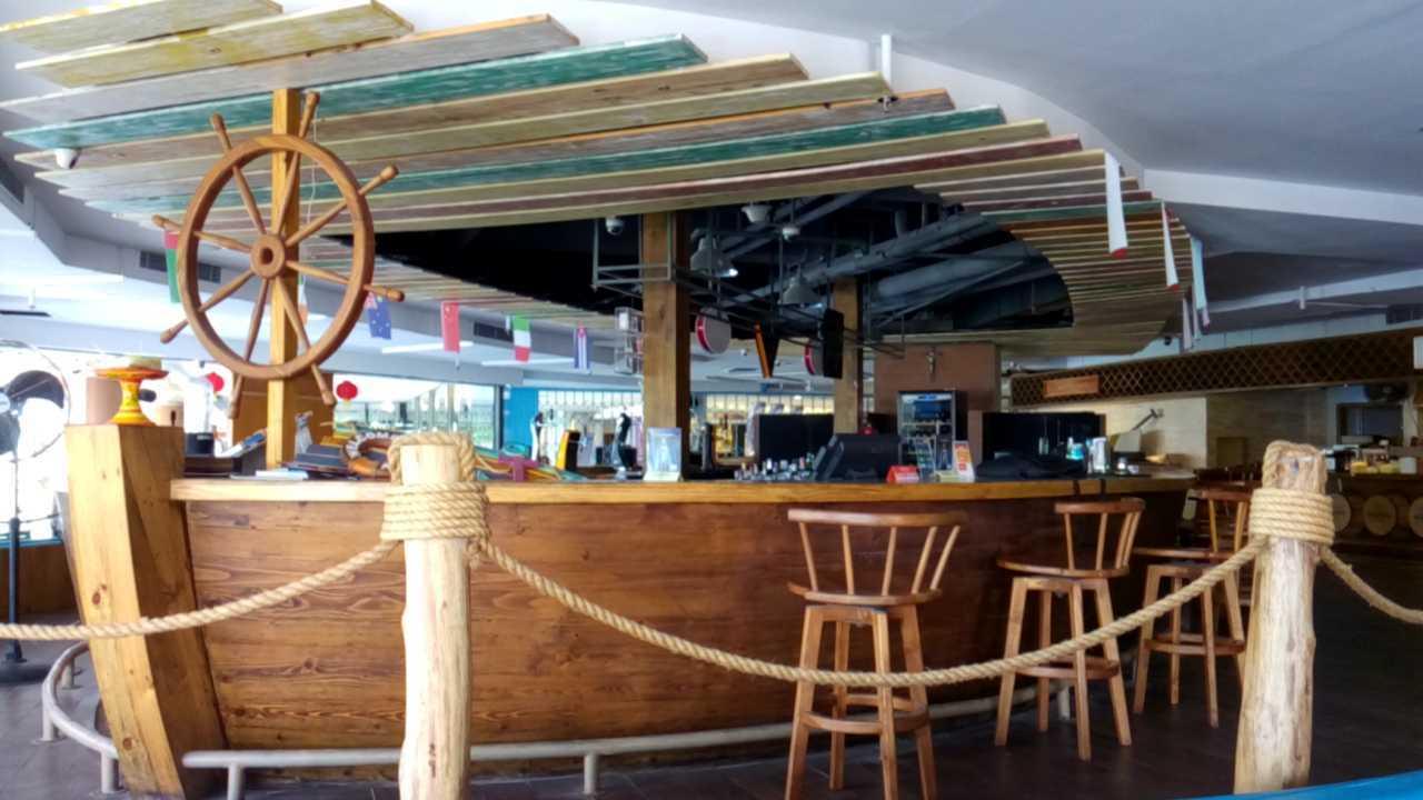 Inches Design Lippo Foodcourt Bali Bali Interior   23552