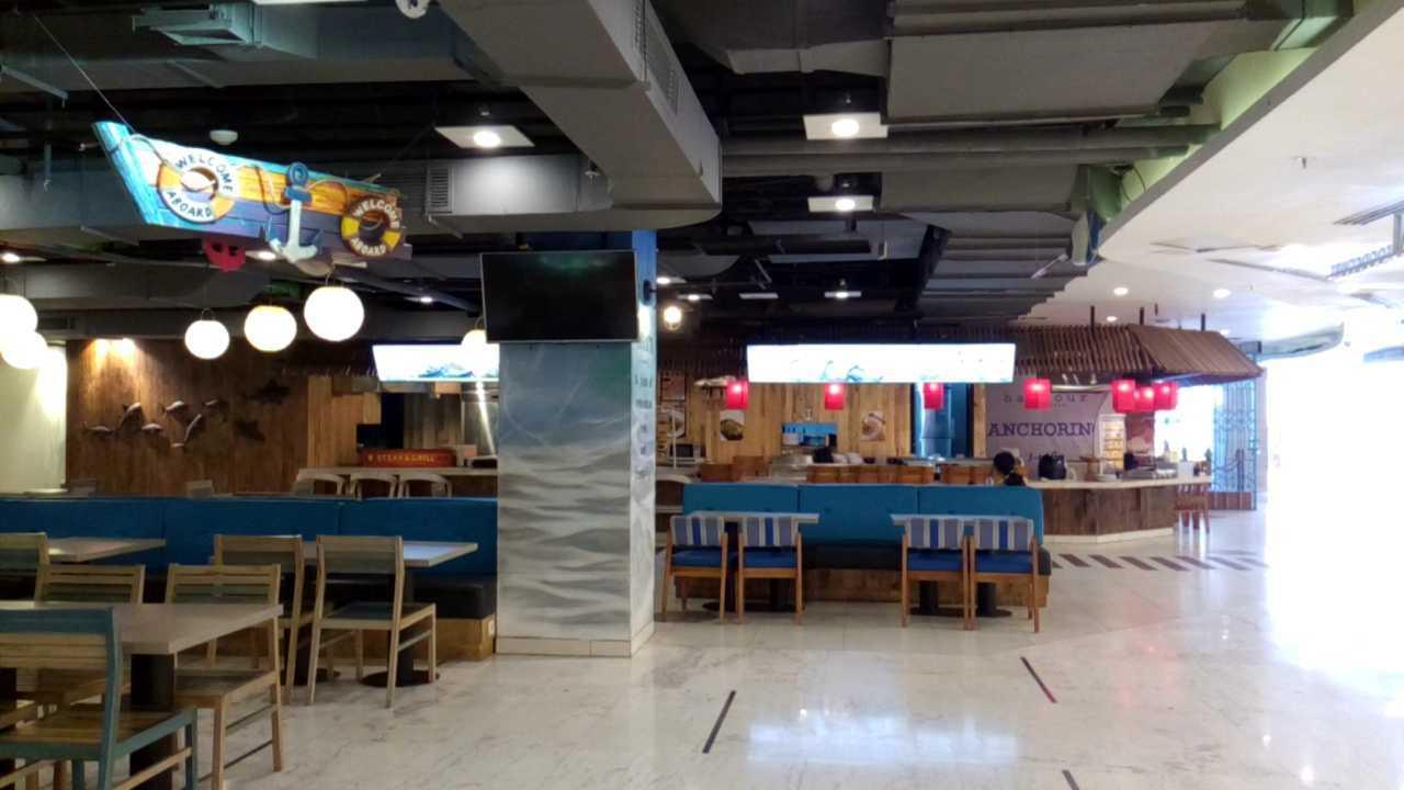 Inches Design Lippo Foodcourt Bali Bali Dining Area   23564