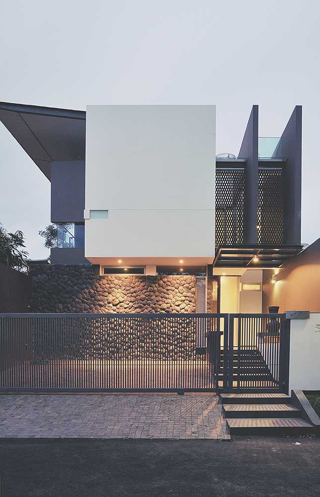 Modernspace Int E House West Jakarta, Indonesia West Jakarta, Indonesia Front View   10745