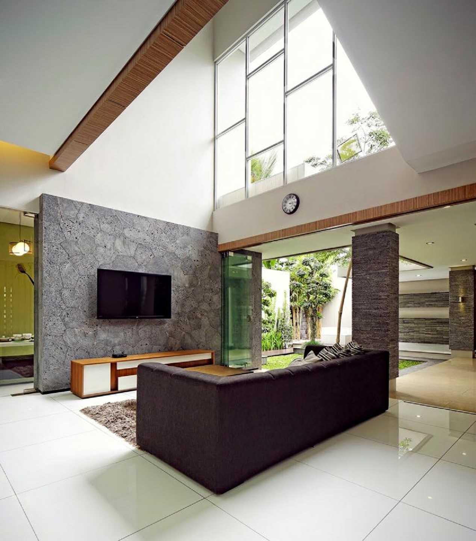 Hbarsitekplus Sagan House Yogyakarta, Indonesia Yogyakarta, Indonesia Family Room   10771