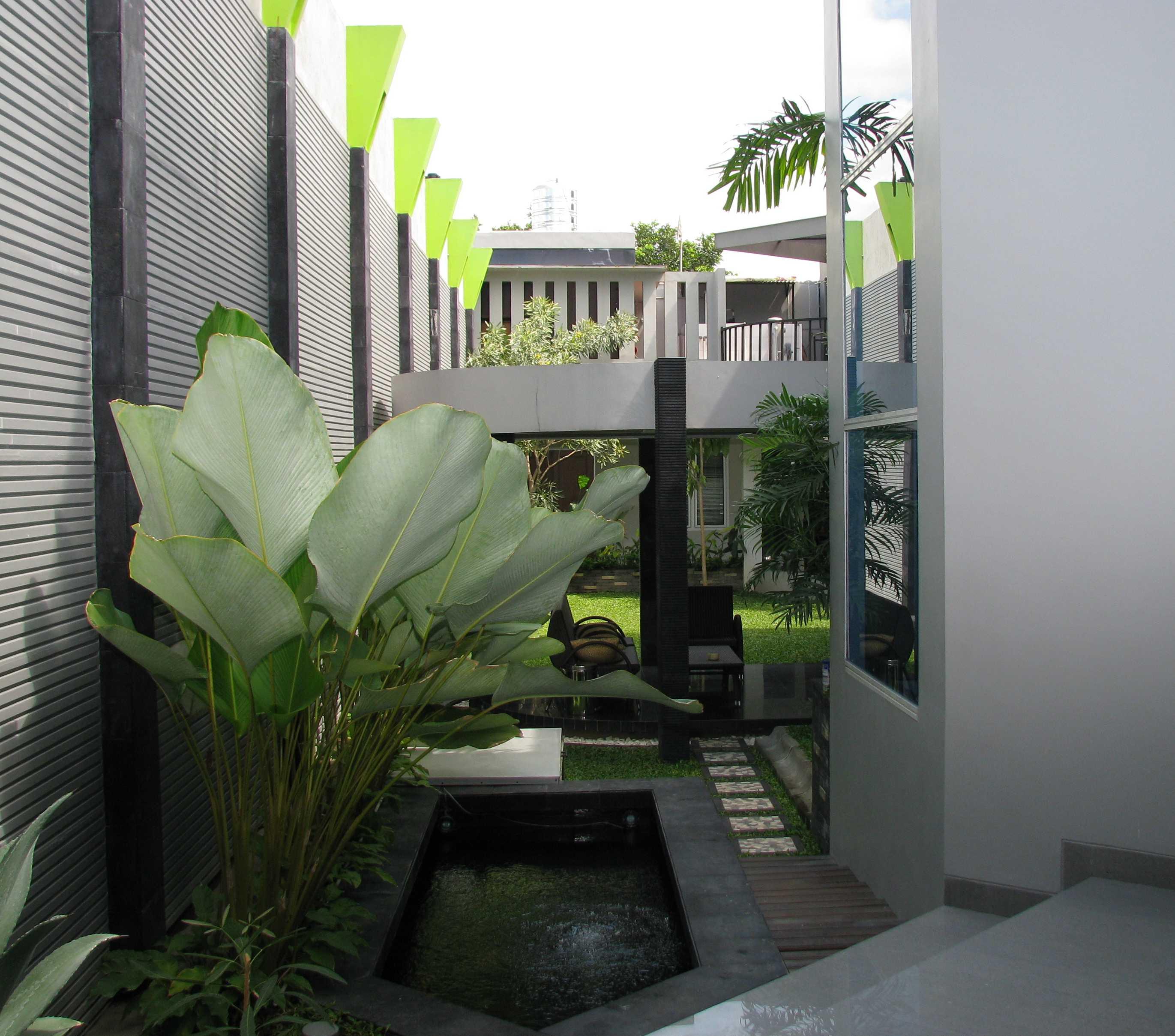 Hbarsitekplus Rumah Minggiran Yogyakarta Yogyakarta Pond Kontemporer  15463