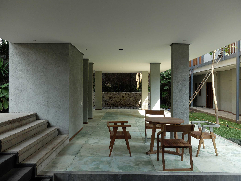 Rdma Adma Provence Jl.abadi-Geger Kalong, Bandung Jl.abadi-Geger Kalong, Bandung Seating Area Tropis,modern  18942
