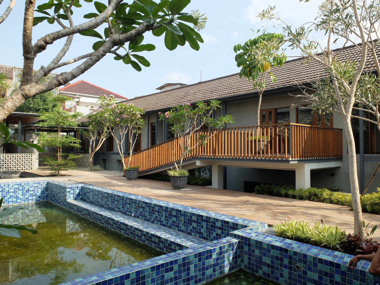 Rdma Adma Provence Jl.abadi-Geger Kalong, Bandung Jl.abadi-Geger Kalong, Bandung Pond Tropis,modern  18946