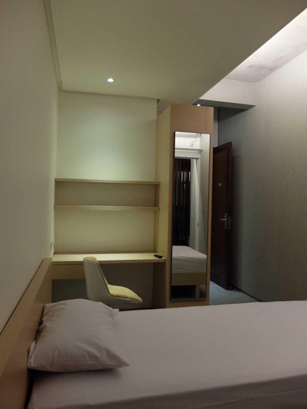 Rdma Fulmar House Jl.babakan Jeruk-Pasteur, Bandung Jl.babakan Jeruk-Pasteur, Bandung Bed Room Tropis,modern  18981