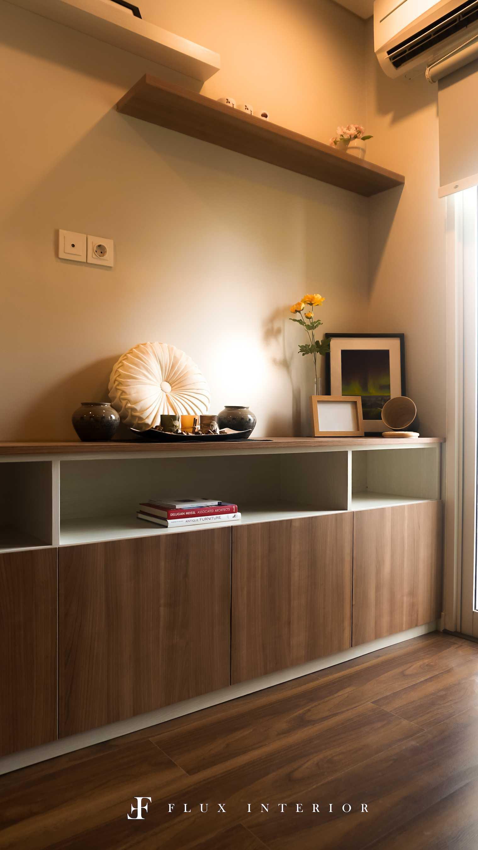 Flux Interior Loft-Style Studio Apartment At Madison Park Residences, West Jakarta Jakarta Barat, Kb. Jeruk, Kota Jakarta Barat, Daerah Khusus Ibukota Jakarta, Indonesia  View From Bed Area To Tv Credenza Minimalis  51841