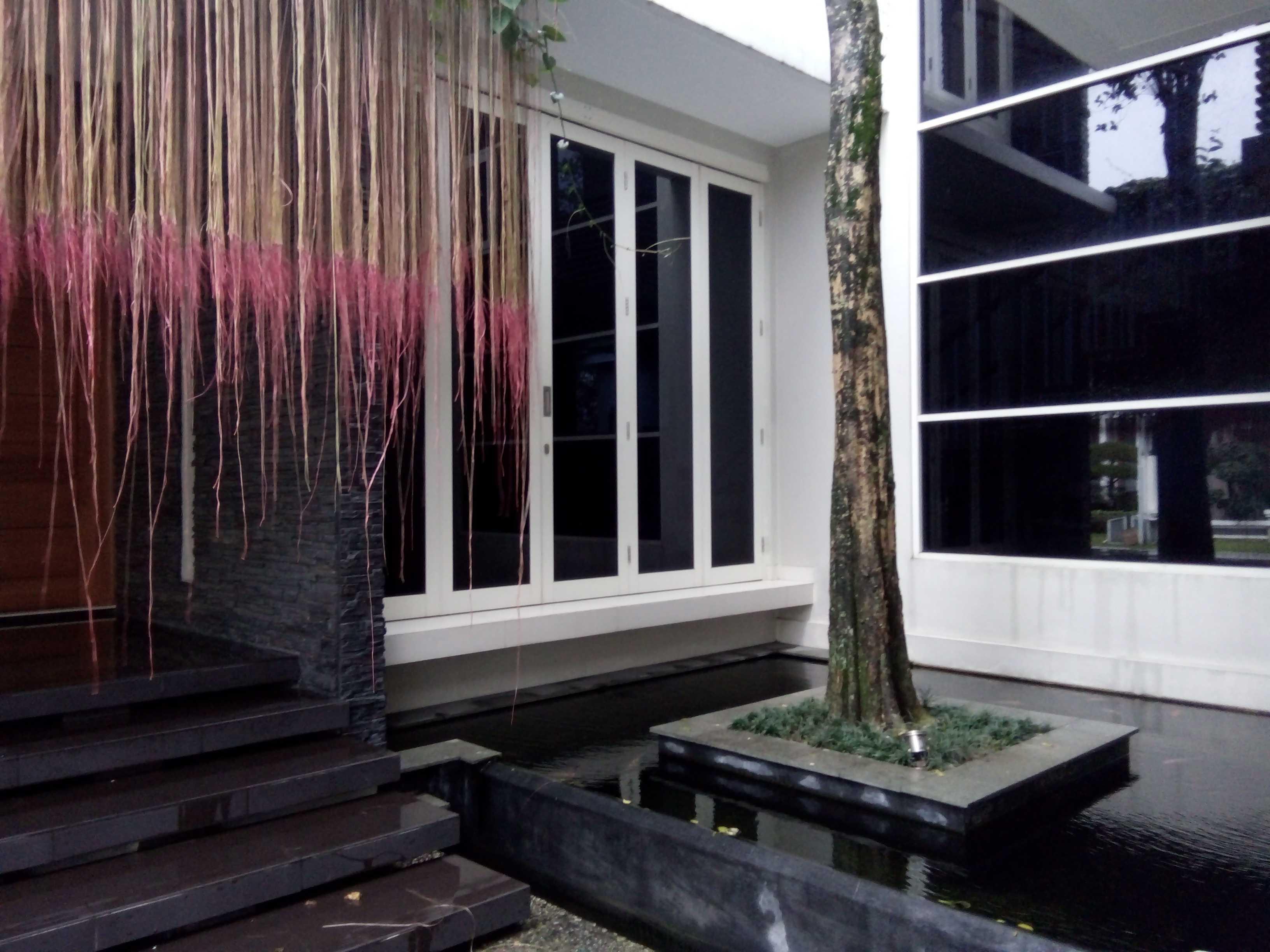 Aditya Wijaya / Studio Indirakasa 11 House Yogyakarta Yogyakarta Pond Kontemporer  17384