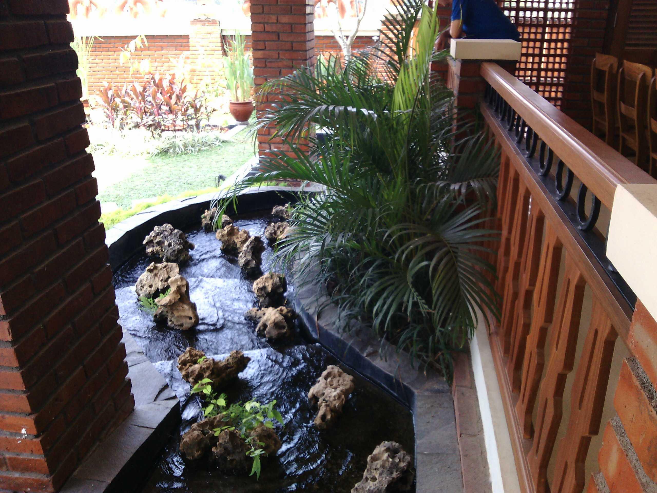 Aditya Wijaya / Studio Indirakasa Opique House Bantul ,yogyakarta Bantul ,yogyakarta Pond   24986