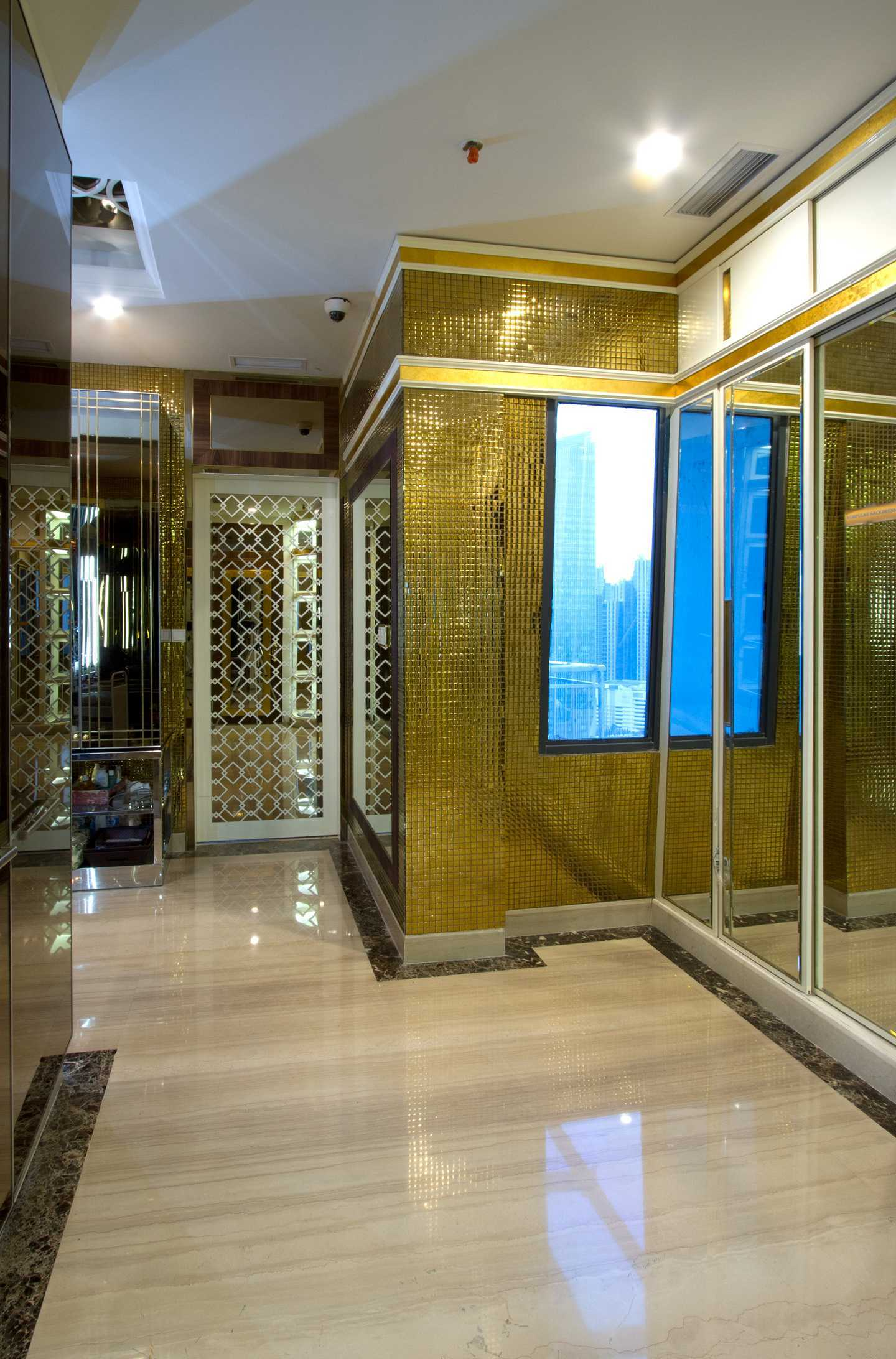 Pt Alradista Desain Indonesia Senopati Penthouse, Jakarta Senopati Jakarta Senopati Jakarta Wardrobe  <P>Area Wardrobe Masterbedroom</p> 11149