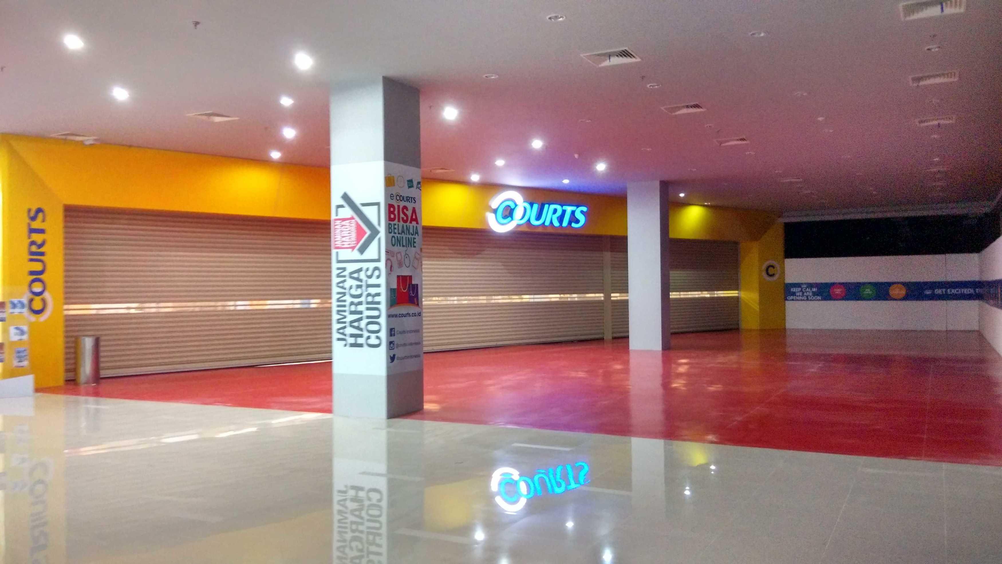 Pt. Iwa Design Indonesia Courts Megastore  Bsd Bsd Img20160118160902Hdr  Electronic-Furniture Entrance 23790
