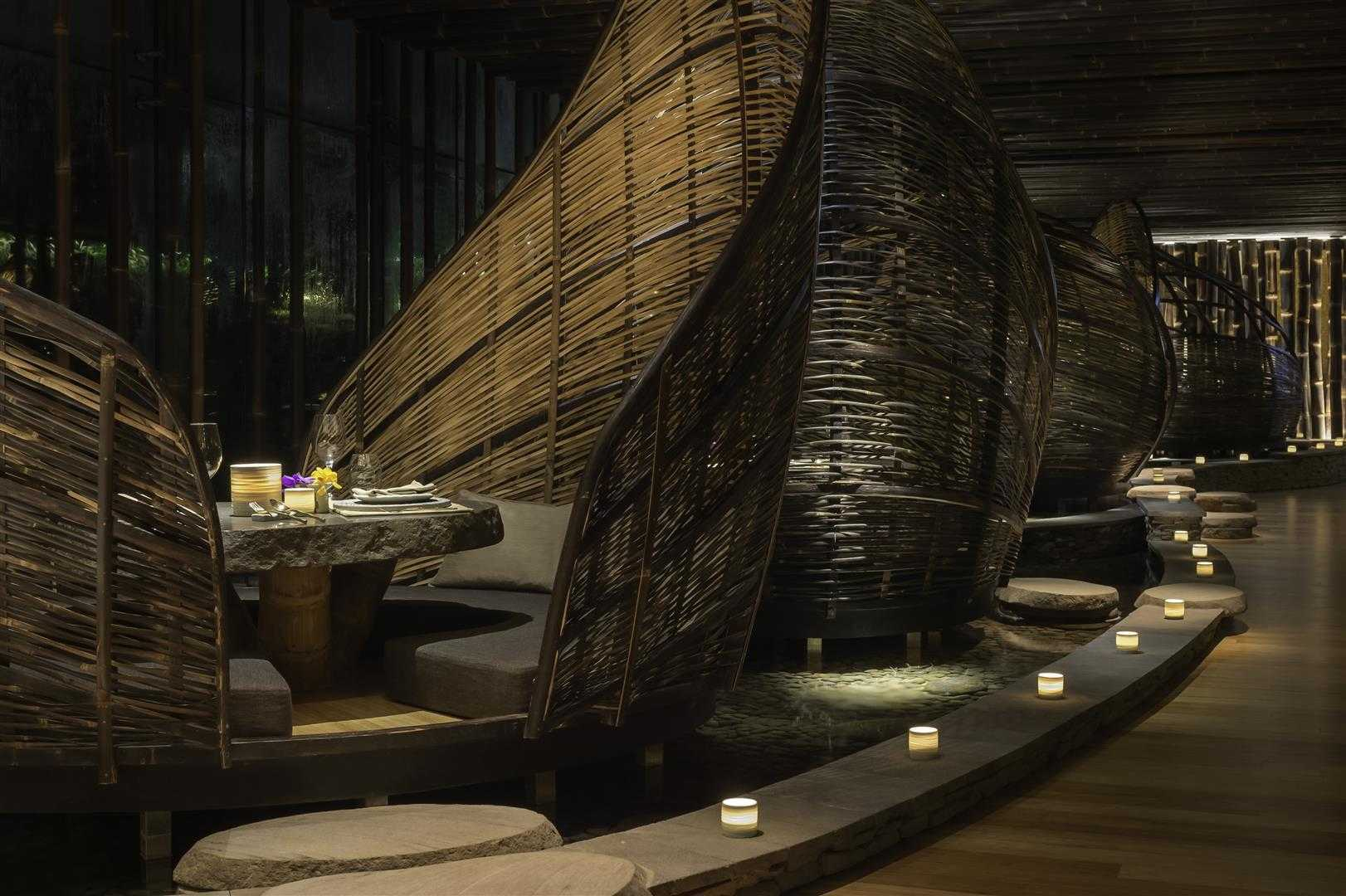 Agung Budi Raharsa | Architecture & Engineering Tri - Balinese Restaurant In Hong Kong 3Rd Floor The Pulse Building, Lido Complex, Repulse Bay, Hong Kong 3Rd Floor The Pulse Building, Lido Complex, Repulse Bay, Hong Kong Seating Area Interior View Tropis <P>Basket Pod For Couple At Dinner Time</p> 12219