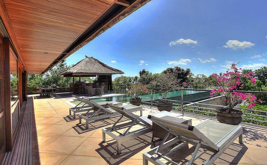 Agung Budi Raharsa Villa Indah Manis - Bali Pecatu, Bali Pecatu, Bali Indah-Manis-Pool-Sunloungers   12421