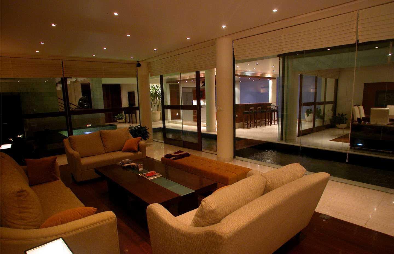 Agung Budi Raharsa | Architecture & Engineering Shark House - Bali Bali, Indonesia Ketewel, Bali Living Room   12460