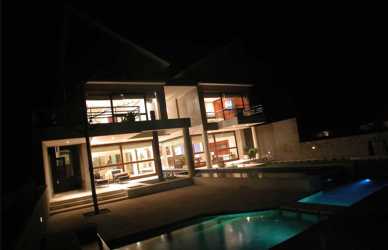 Agung Budi Raharsa | Architecture & Engineering Shark House - Bali Bali, Indonesia Ketewel, Bali 0203-Large   12479