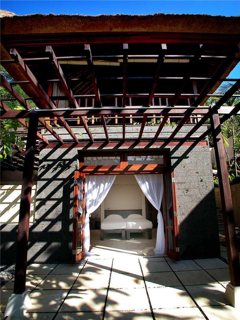 Agung Budi Raharsa | Architecture & Engineering Cliff House - Bali Bali, Indonesia Pecatu, Bali Bedroom-A-4   12735