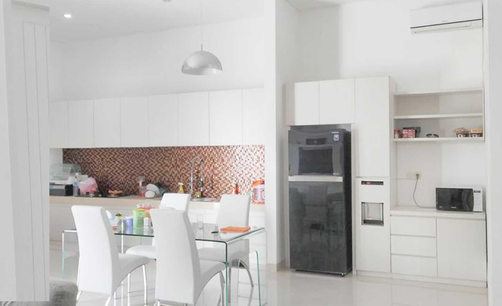 Lalu M. Haris Iqbal - Skye Architect Ard House Mataram, Kota Mataram, Nusa Tenggara Bar., Indonesia Mataram, Kota Mataram, Nusa Tenggara Bar., Indonesia Kitchen Room   42131
