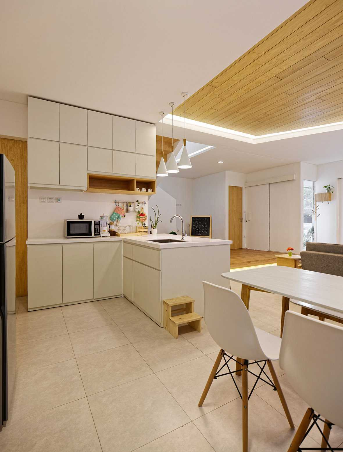 Delution Architect Inset House Jatibening, Pondokgede, Bekasi City, West Java, Indonesia Jatibening, Pondokgede, Bekasi City, West Java, Indonesia Kitchen Room Kontemporer,modern  36752