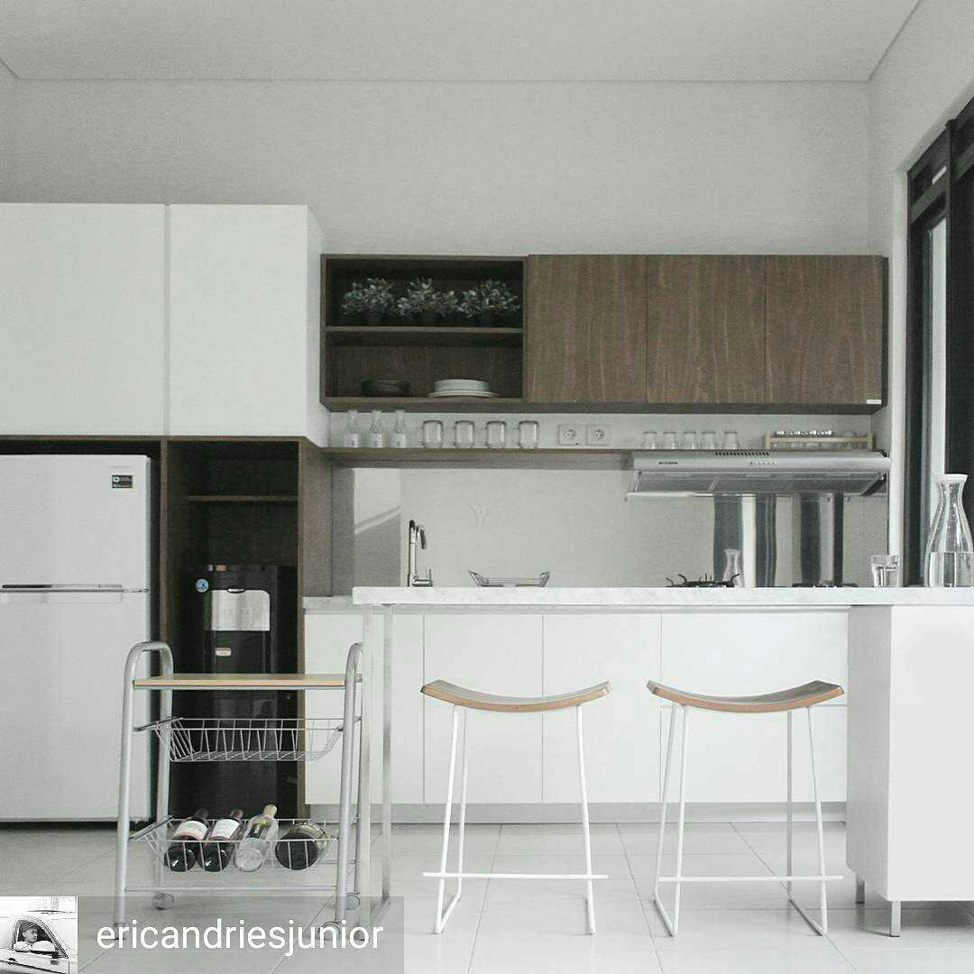 Arkitekt.id Aj's Backyard Bandung, West Java, Indonesia Bandung, West Java, Indonesia Kitchen Skandinavia  29157
