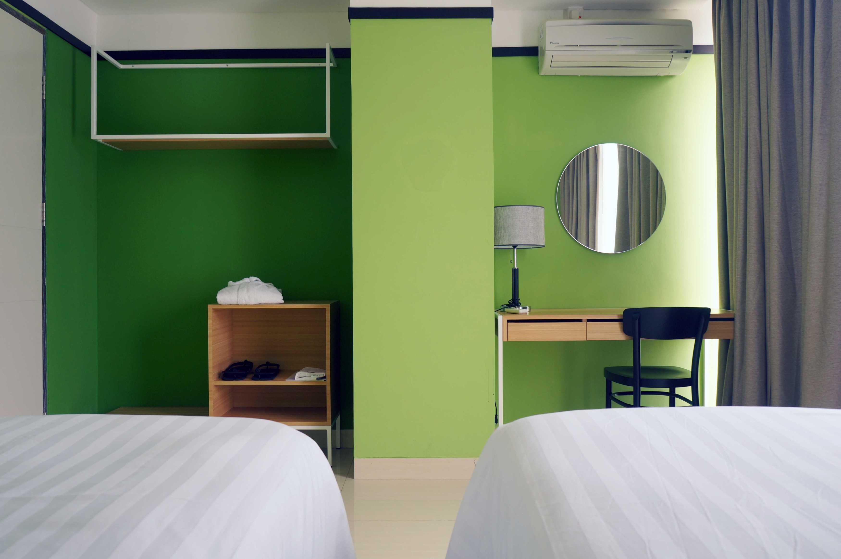 Arkitekt.id Executive Suite No 3 Clove Garden Hotel, Bandung Clove Garden Hotel, Bandung Twin Bedroom Minimalis  29464
