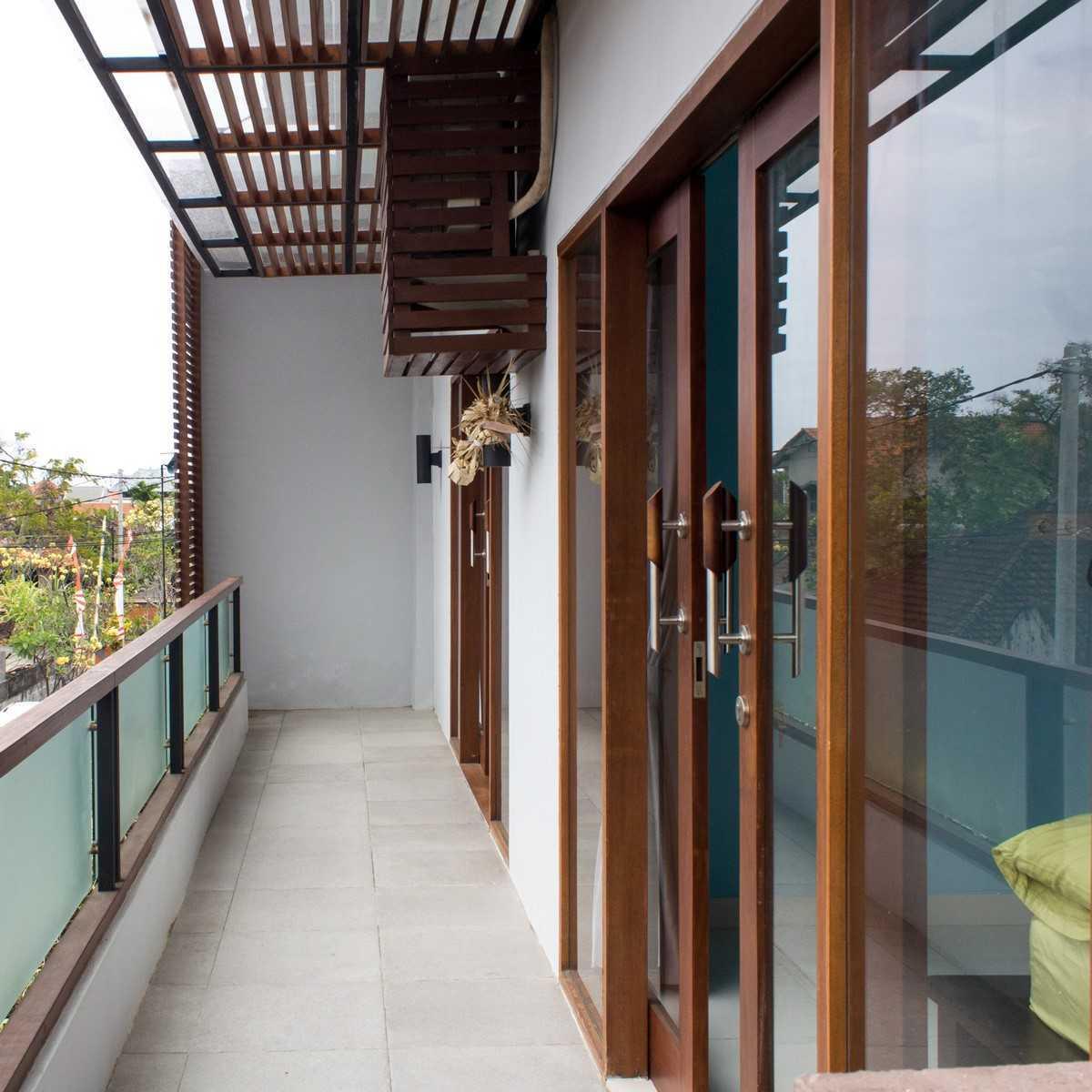 Pradhana Pande Pidada Jalan Sanitasi, Denpasar - Bali Jalan Sanitasi, Denpasar - Bali Img9737-Copy   41675
