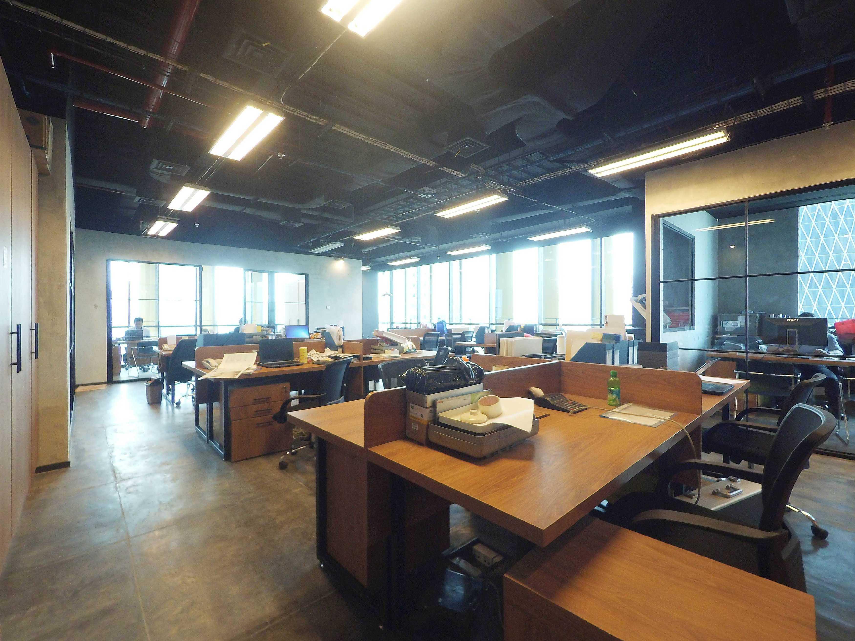 Dezan Studio Legrand Office Generali Tower, Jakarta Generali Tower, Jakarta Staff Area Industrial  14467