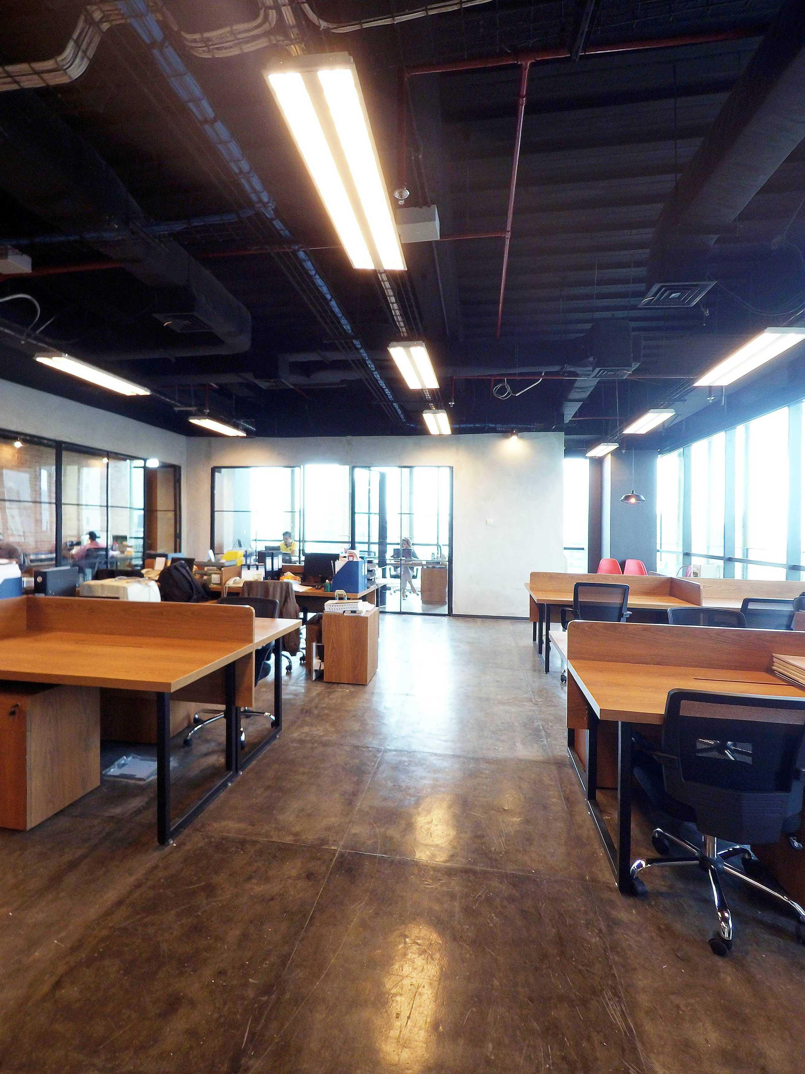 Dezan Studio Legrand Office Generali Tower, Jakarta Generali Tower, Jakarta Staff Area Industrial  14468