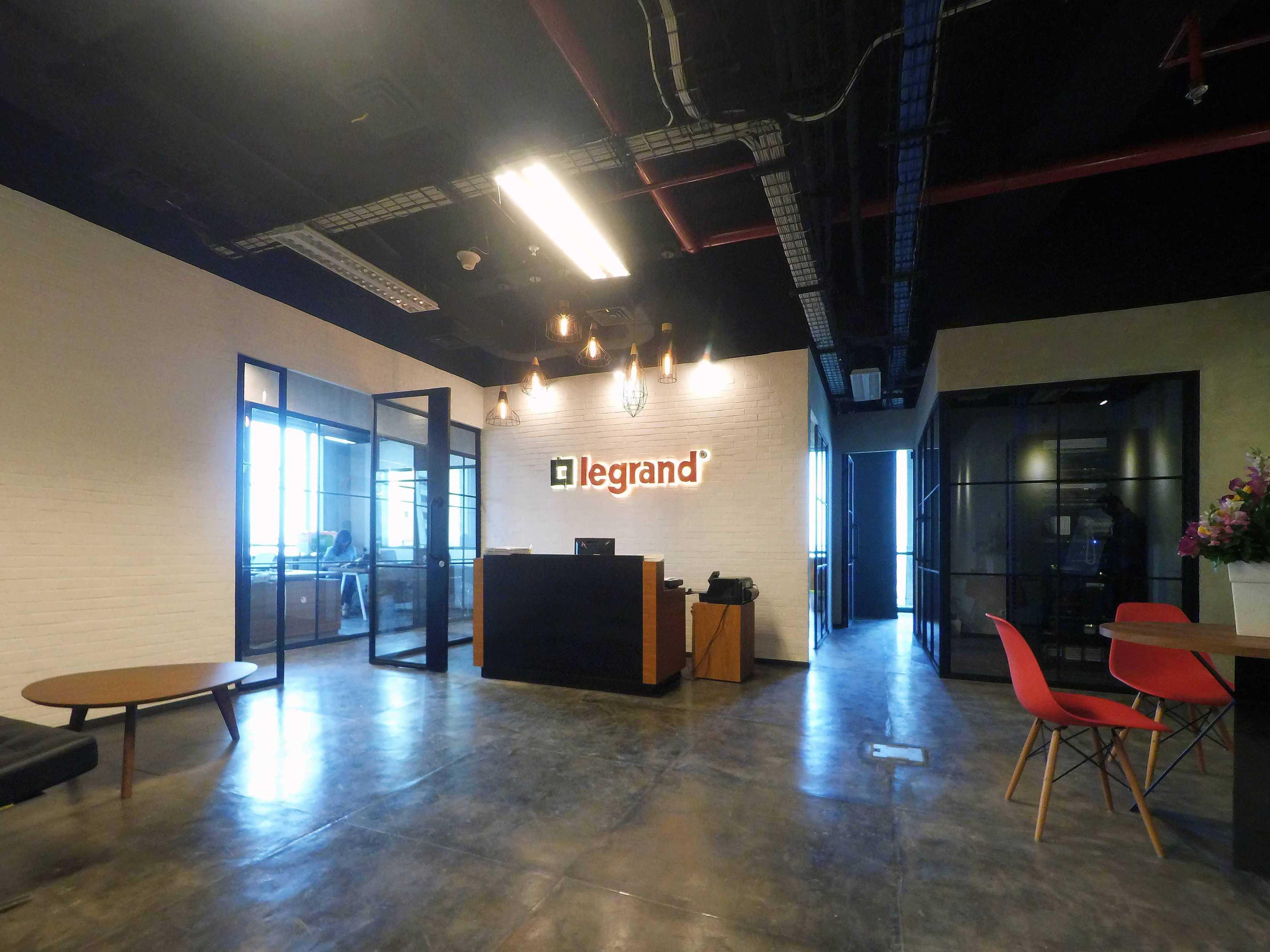 Dezan Studio Legrand Office Generali Tower, Jakarta Generali Tower, Jakarta Receptionist Industrial  14471