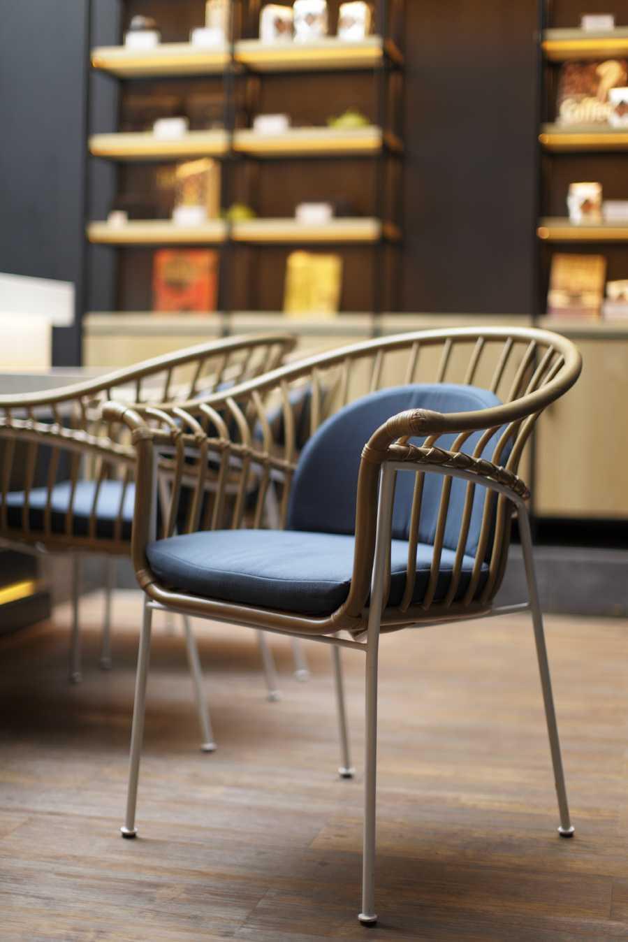 Alvin Tjitrowirjo, Alvint Studio Le Gourmand Cafe  Gunawarman Jakarta  Gunawarman Jakarta  Chair Details Contemporary  15667
