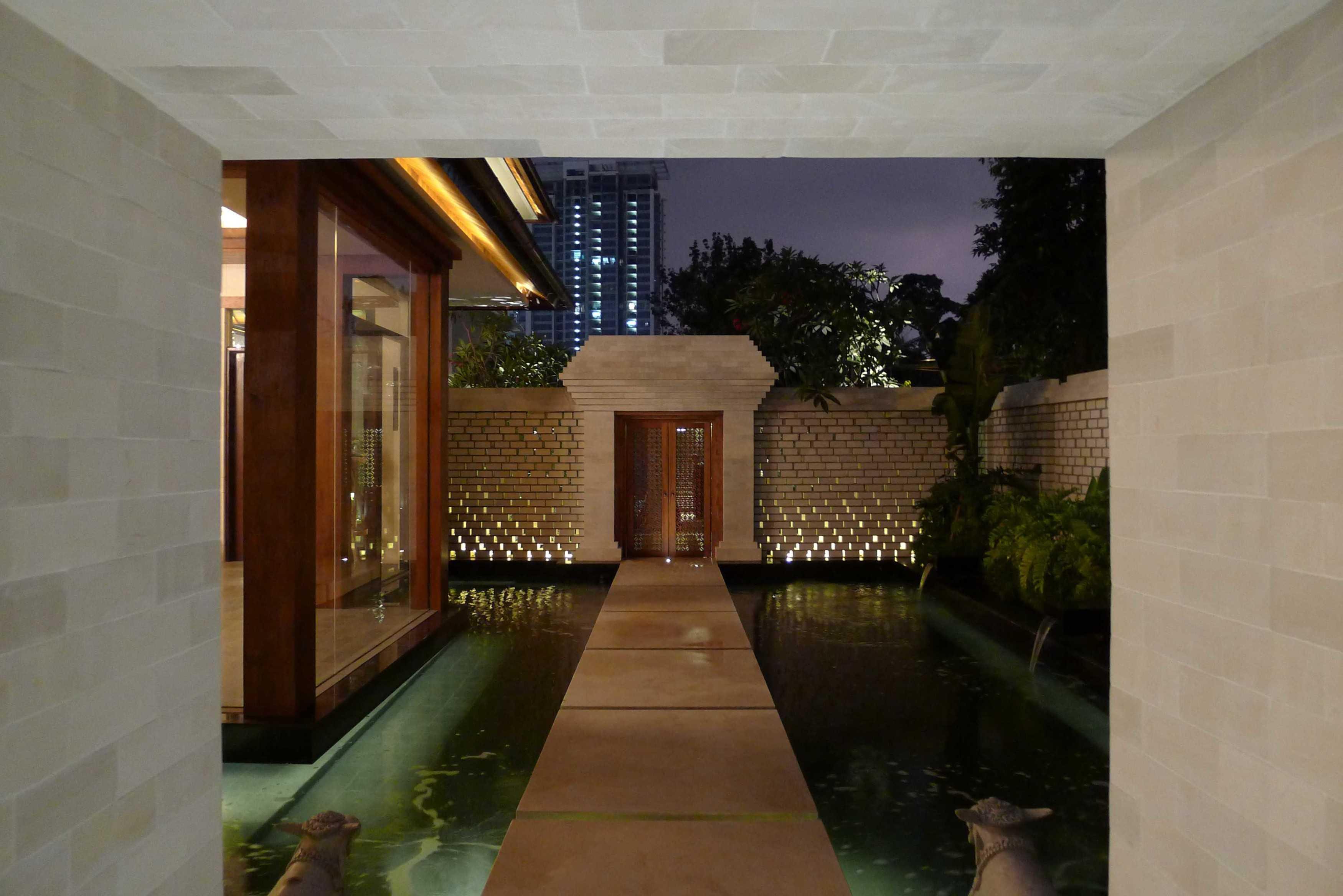Han Awal & Partners Rumah Tinggal Brawijaya  Jakarta Jakarta Entrance Door   16125