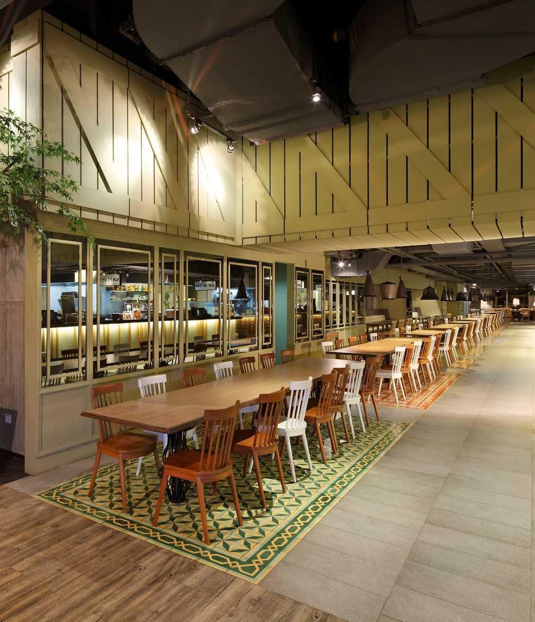 Ma-Ru Urban Kitchen  Plaza Indonesia Plaza Indonesia Seating Area Restaurant   15335
