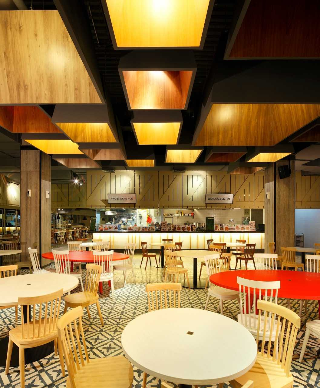 Ma-Ru Urban Kitchen  Plaza Indonesia Plaza Indonesia Seating Area Restaurant   15336